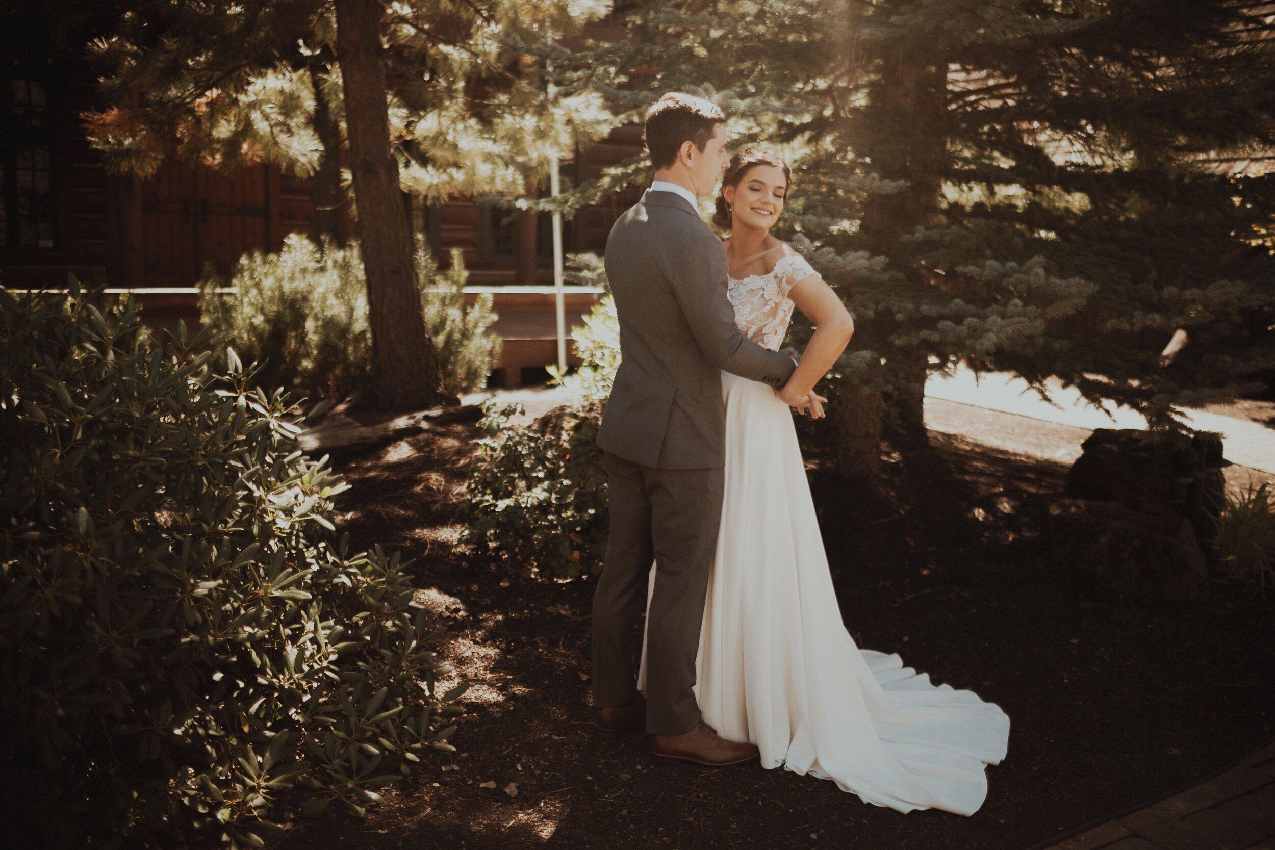 J and M Wed in Sunriver.Lauren Apel Photo234.jpg