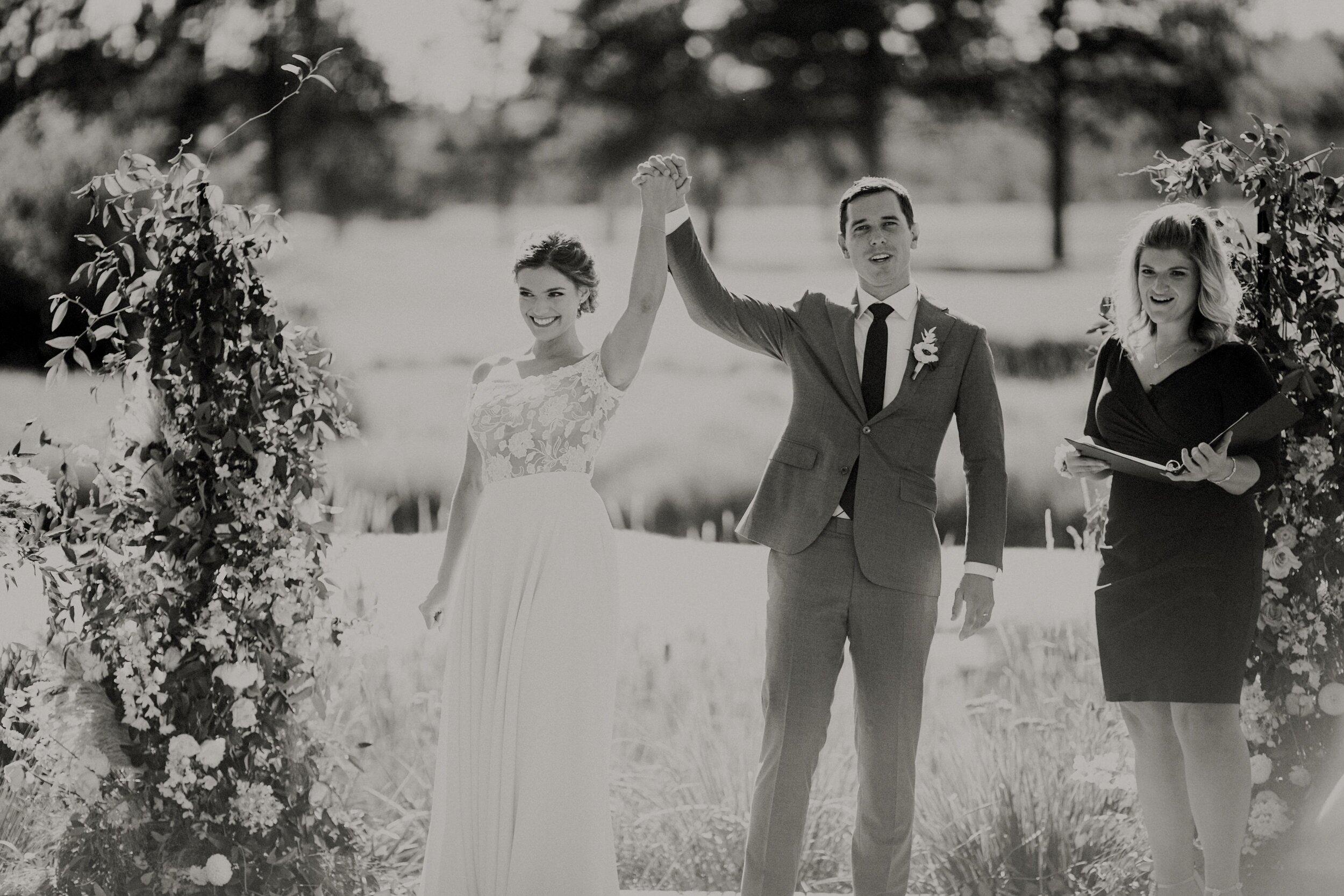J and M Wed in Sunriver.Lauren Apel Photo766.jpg