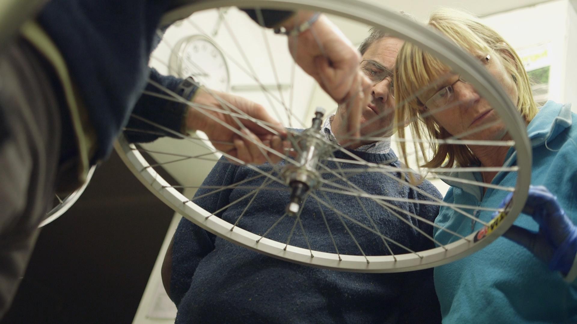 Win Bike fixing time, Cake or Beer!