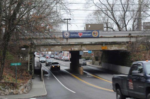 og_train_bridge_01.jpg