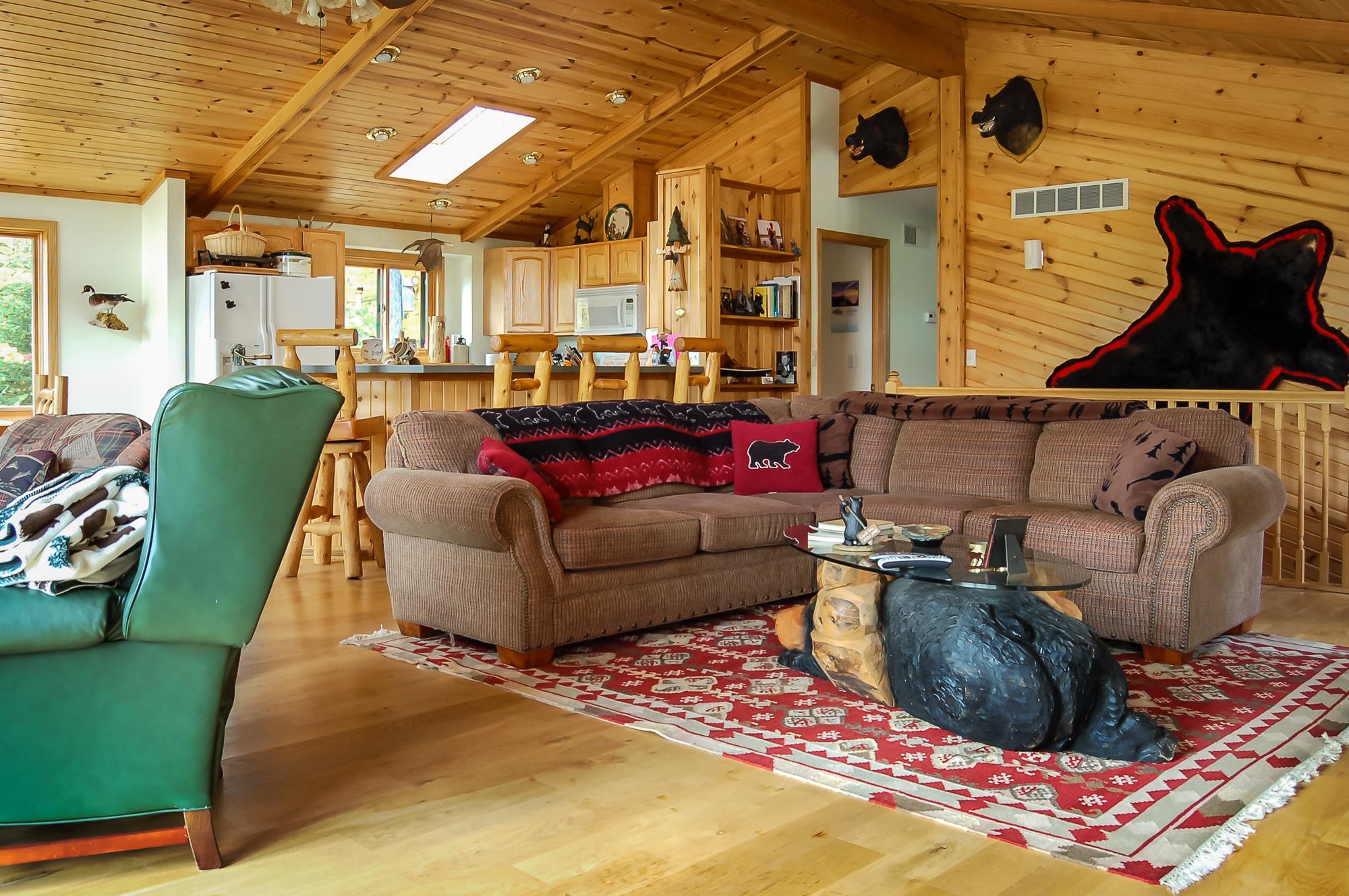 Interior15.jpg