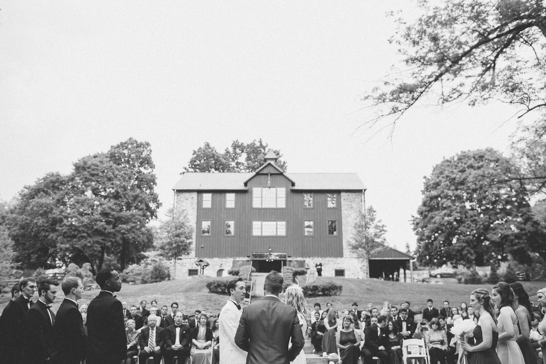 PA vinyard wedding_033.jpg