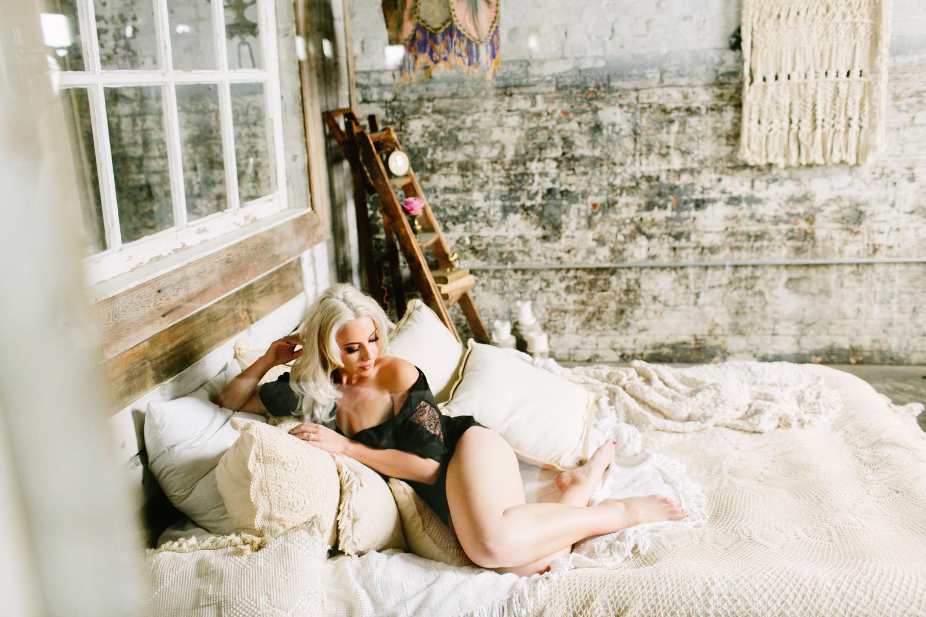 claireloveslove_boho philadelphia boudoir_006.jpg
