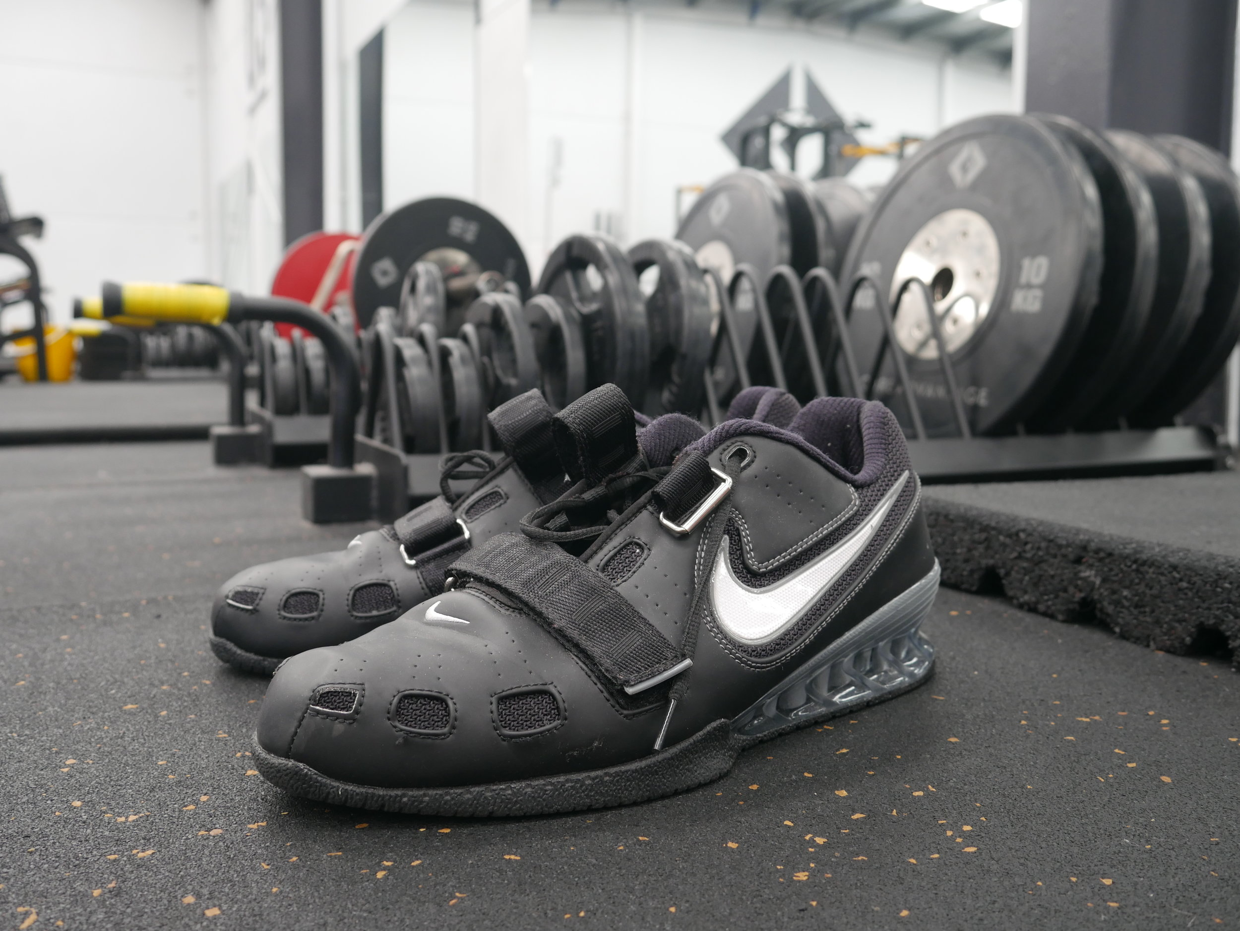 Olympic lifting shoes with a 3/4 inch elevation