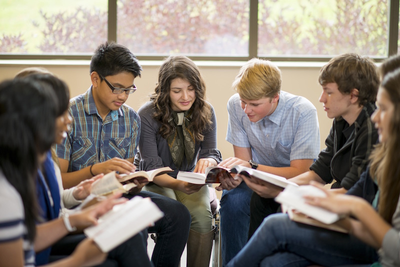 Teen-small-group-iStock-487922329.jpg