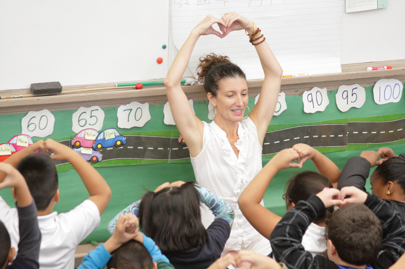 Classroom management for public schools, SCHOOL Kids Yoga. We offer behavior management strategies that are tested from 16 years of experience in Los Angeles public school classrooms.