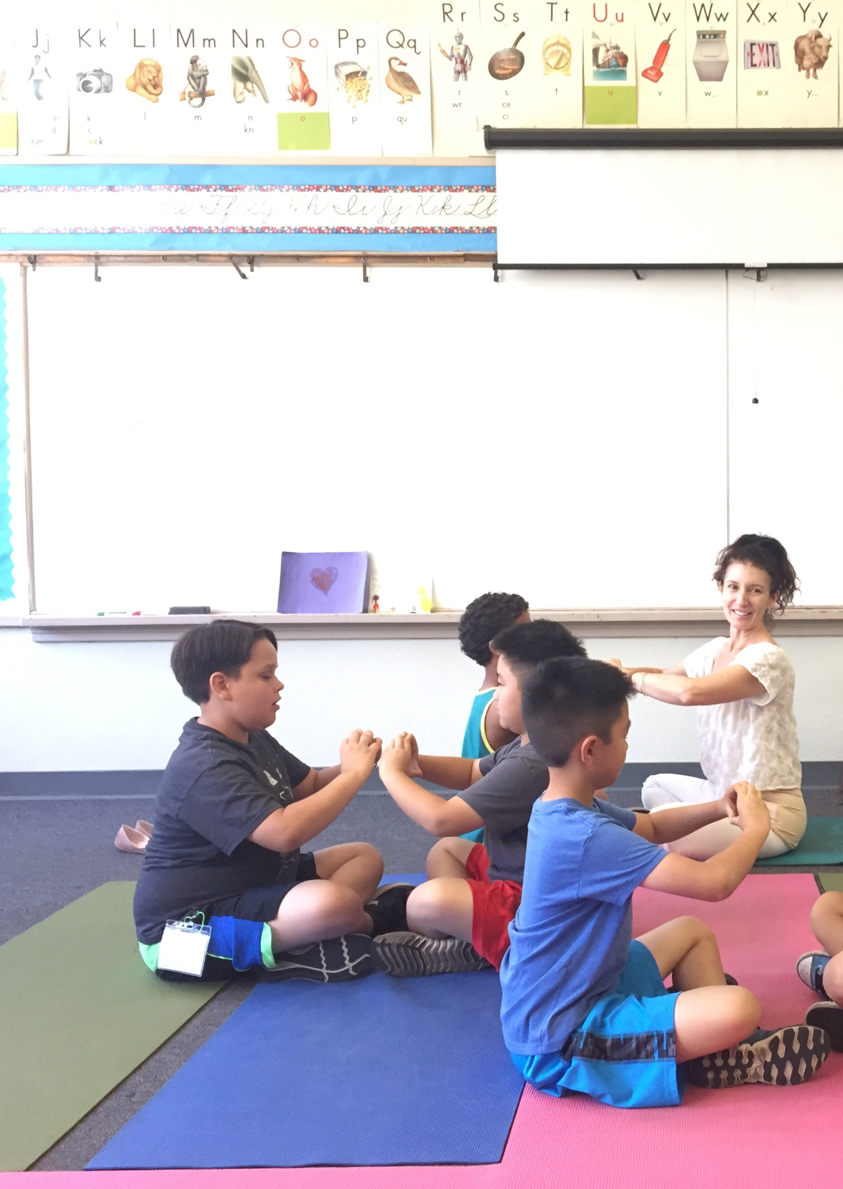SCHOOL Kids Yoga provides classroom management methods for public school teachers so they can teach to the heart of students and encourage cooperation, kindness and group harmony.