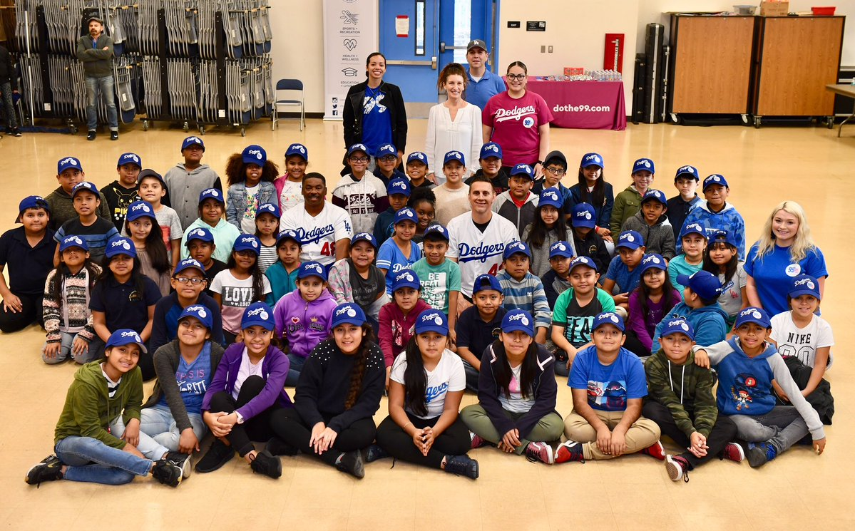 ladodgers-foundation-event-11.30.18-group.jpg