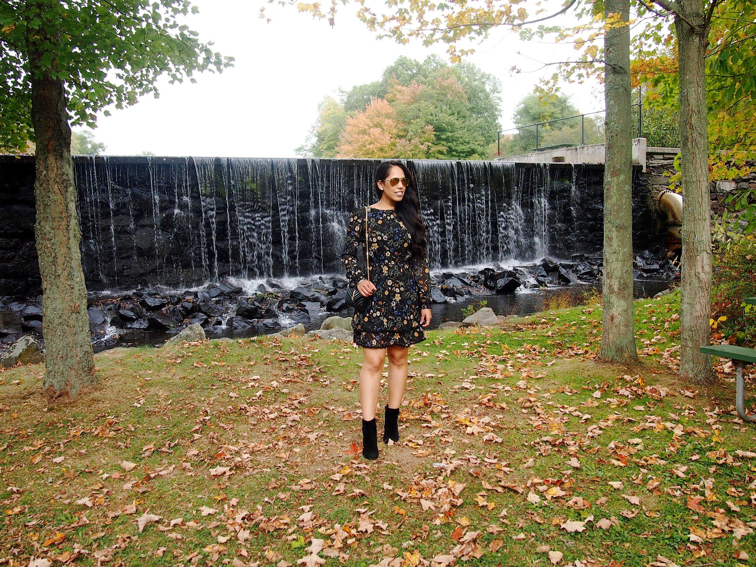 floral-midi-dress-booties-fall-fashion-trend