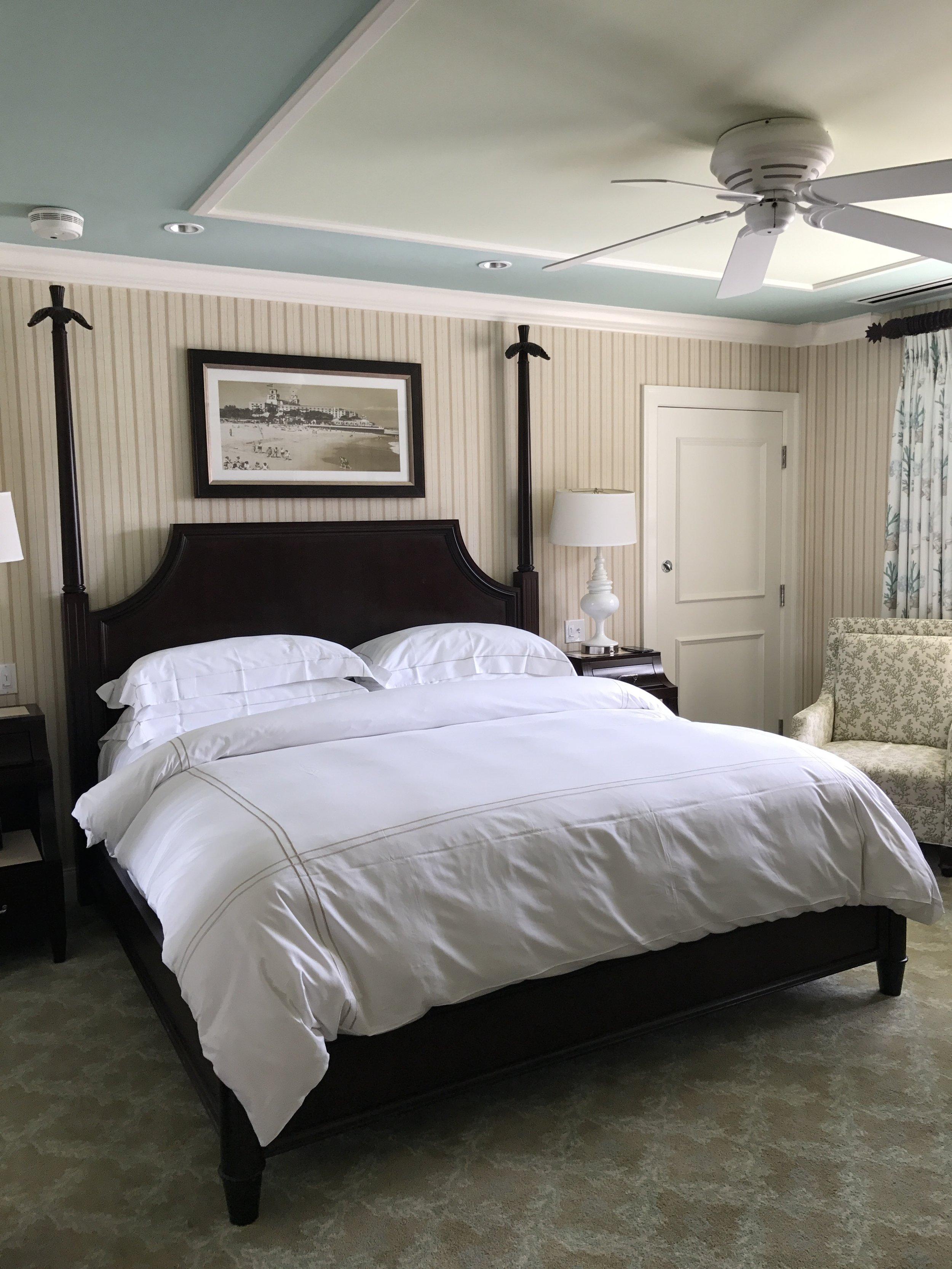 thebreakers-review-king-hotel-room.jpg