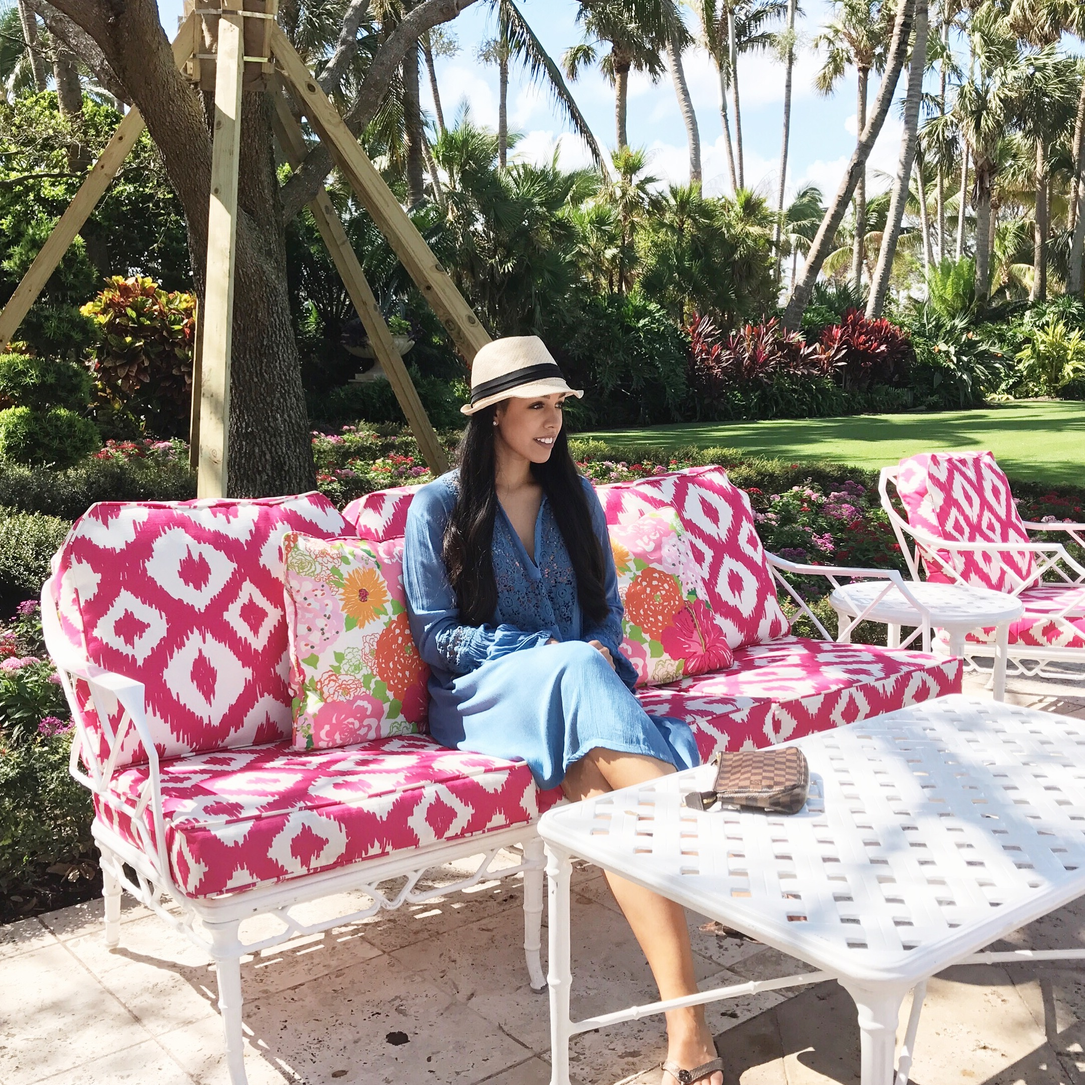 thebreakers-travel-review-courtyard-outfit.JPG