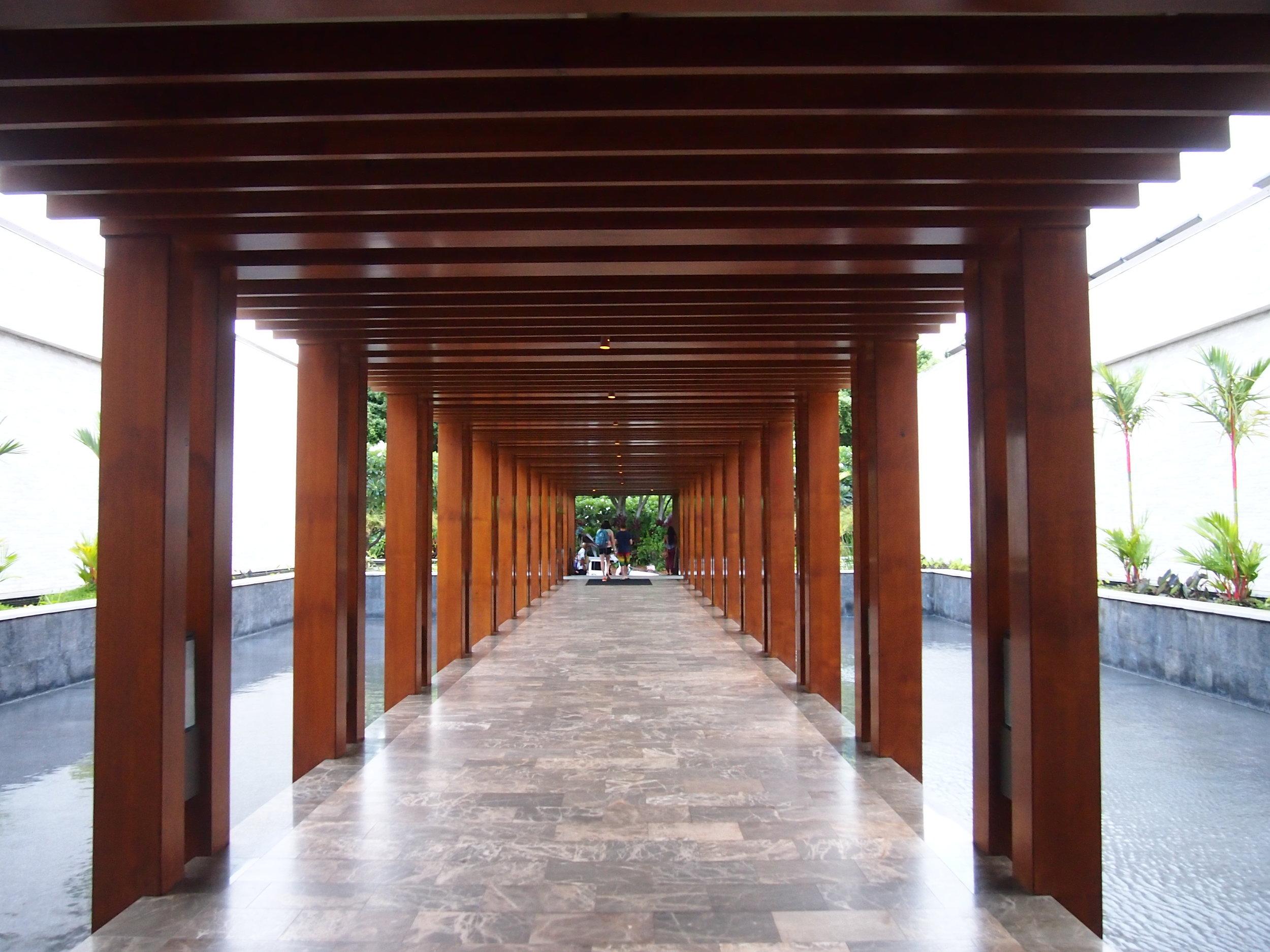 Walkway-lobby-andaz-wailea-maui