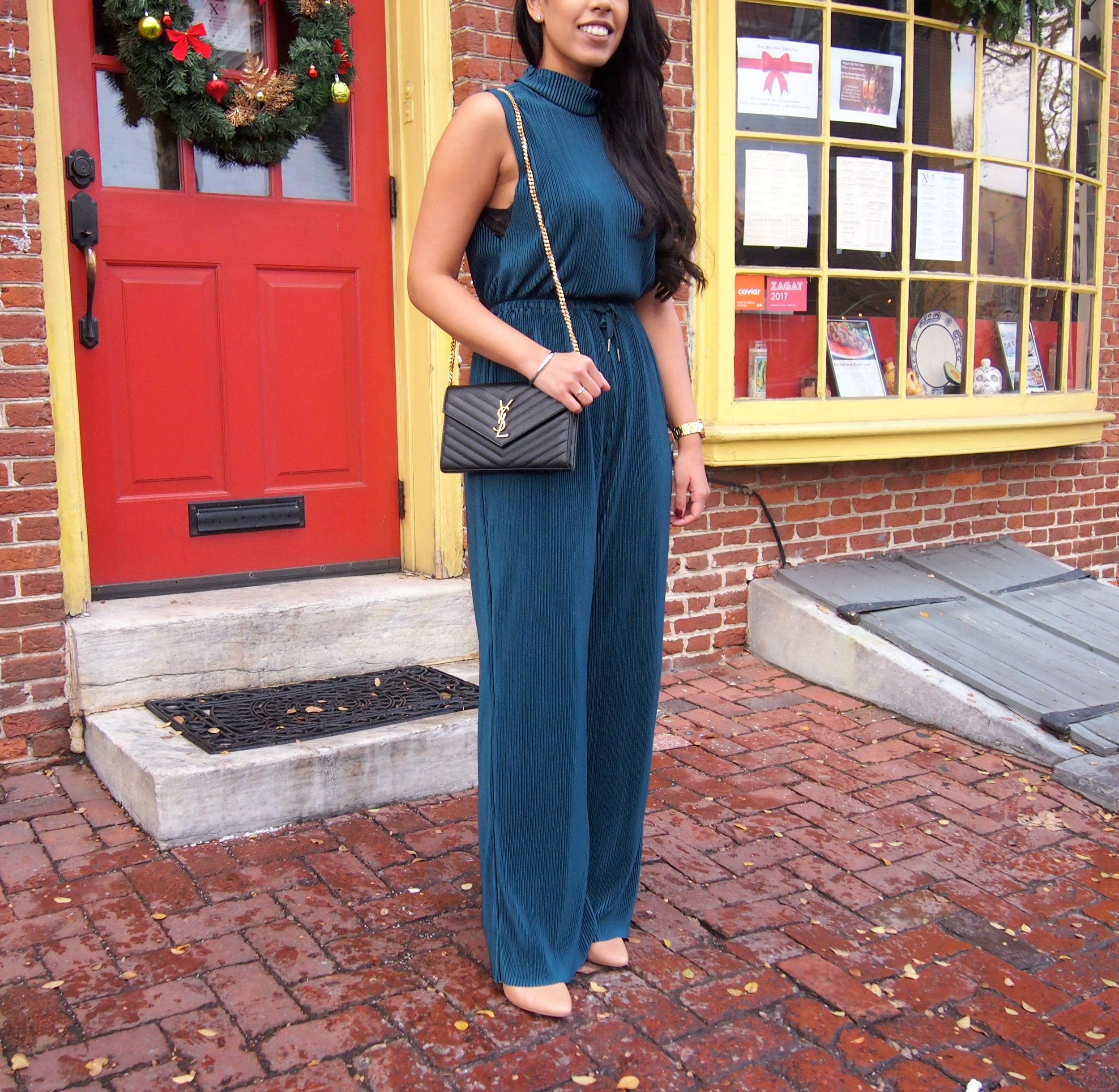 Urban-Outfitters-Jumpsuit-Holiday-Outfit-Idea.jpg