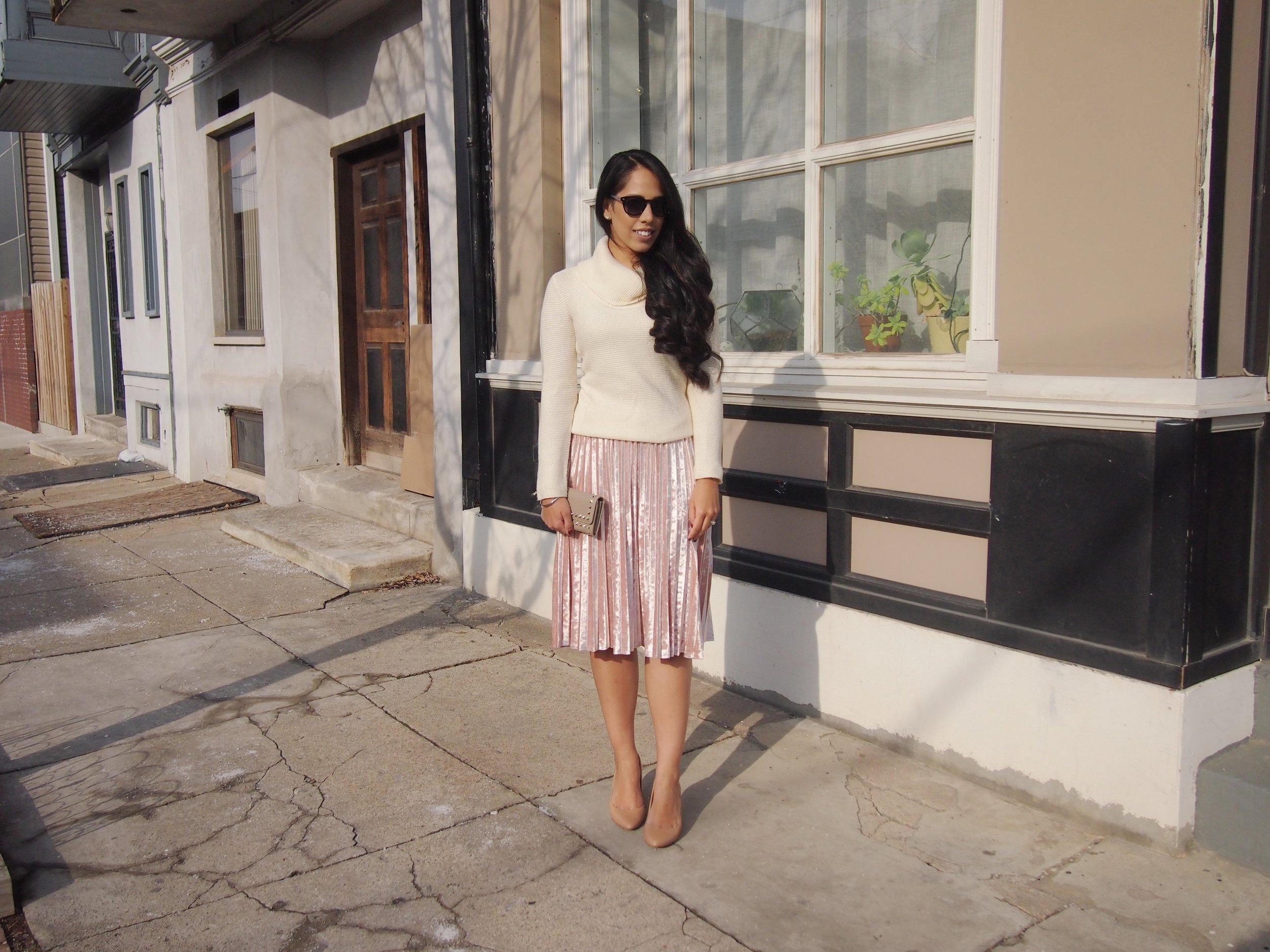how-to-wear-velvet-skirt-trend