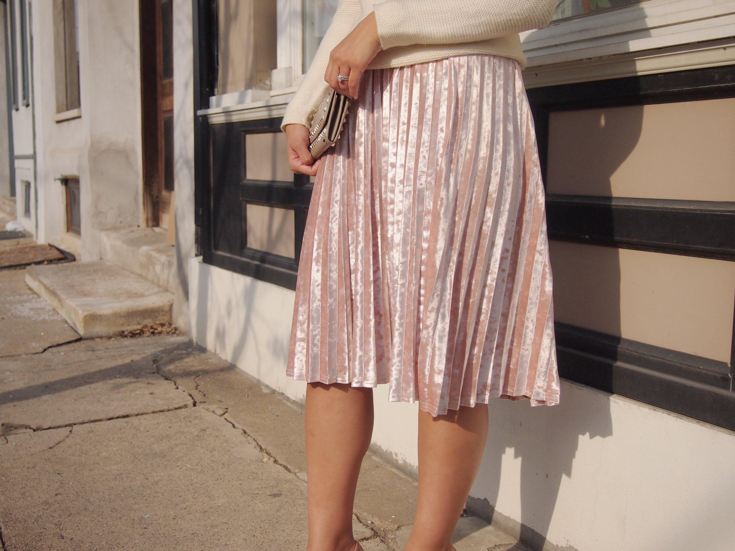 velvet-skirt-trend-winter-fashion-blogger-2018