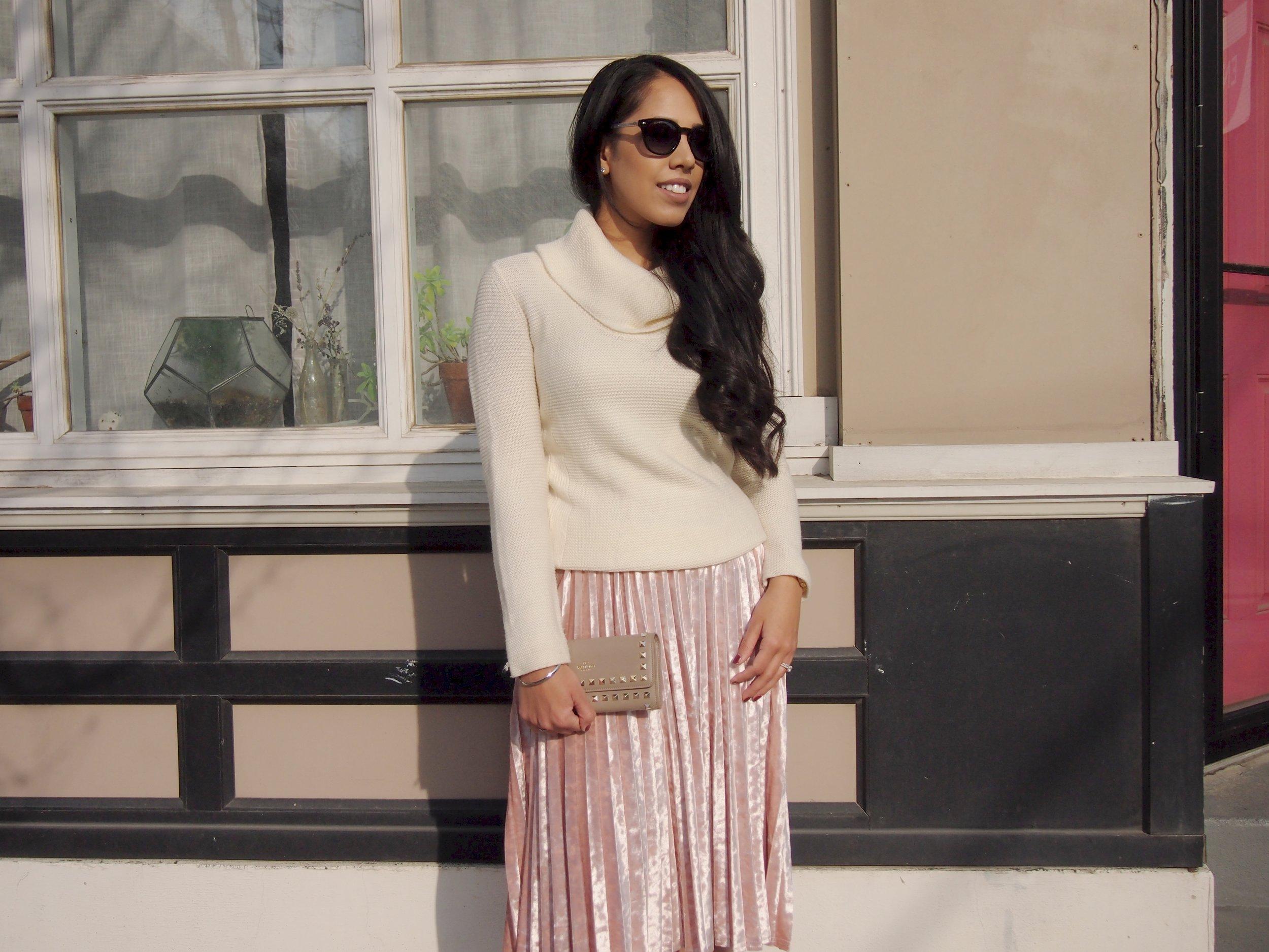 blush-velvet-skirt-winter-fashion-2018