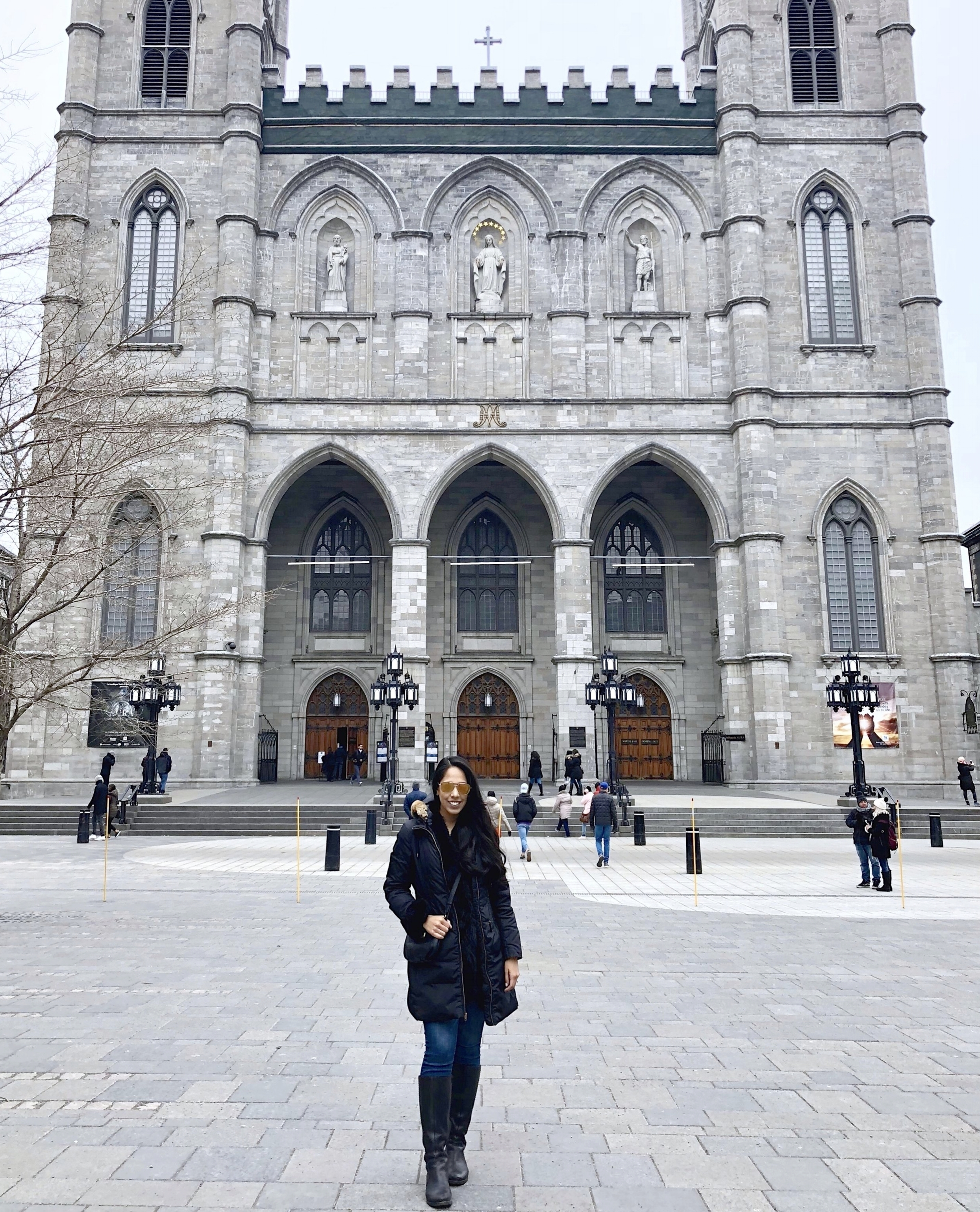 girls-weekend-montreal-notre-dame.JPG