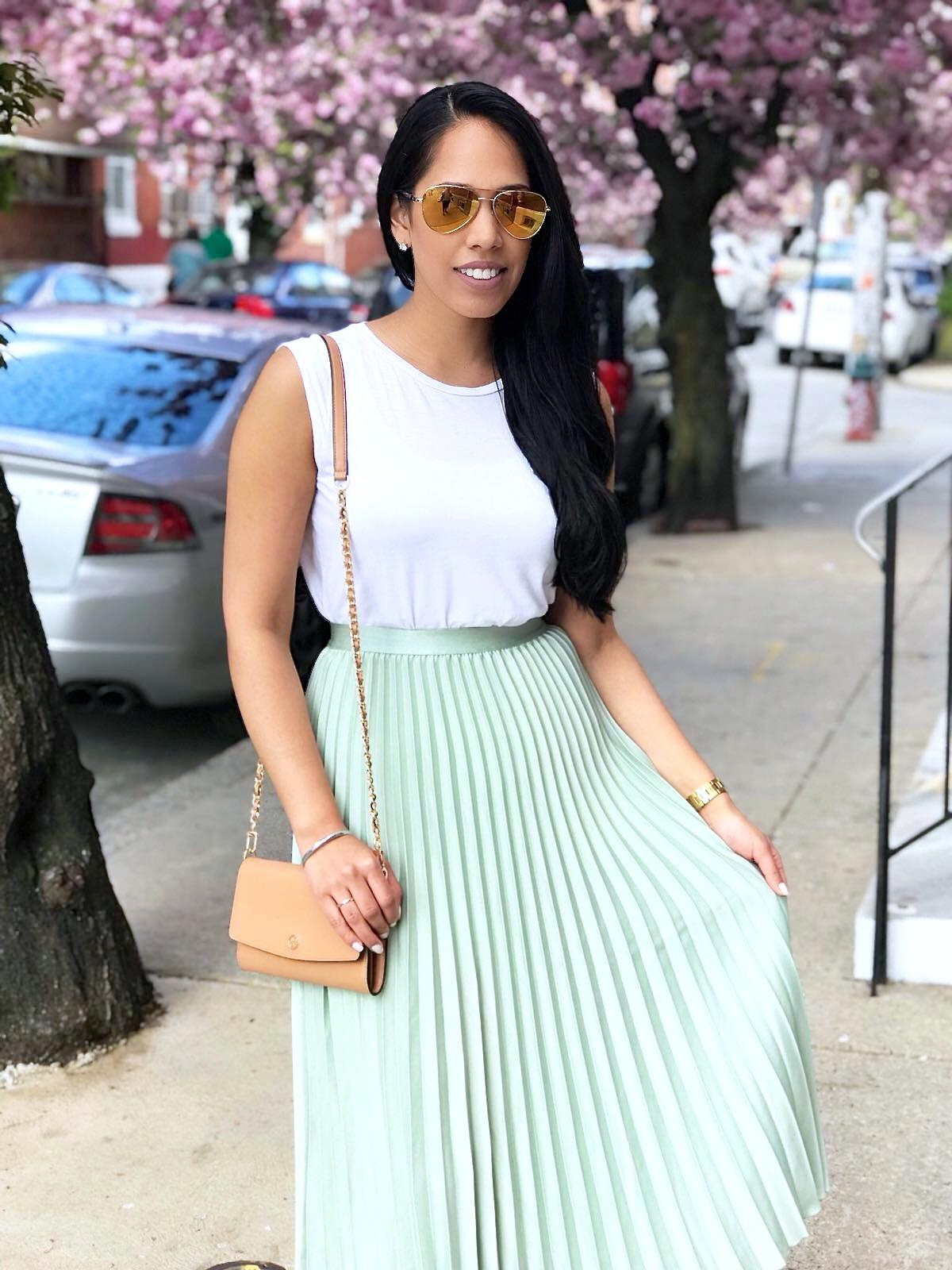 H&M-pastel-midi-pleated-skirt.JPG
