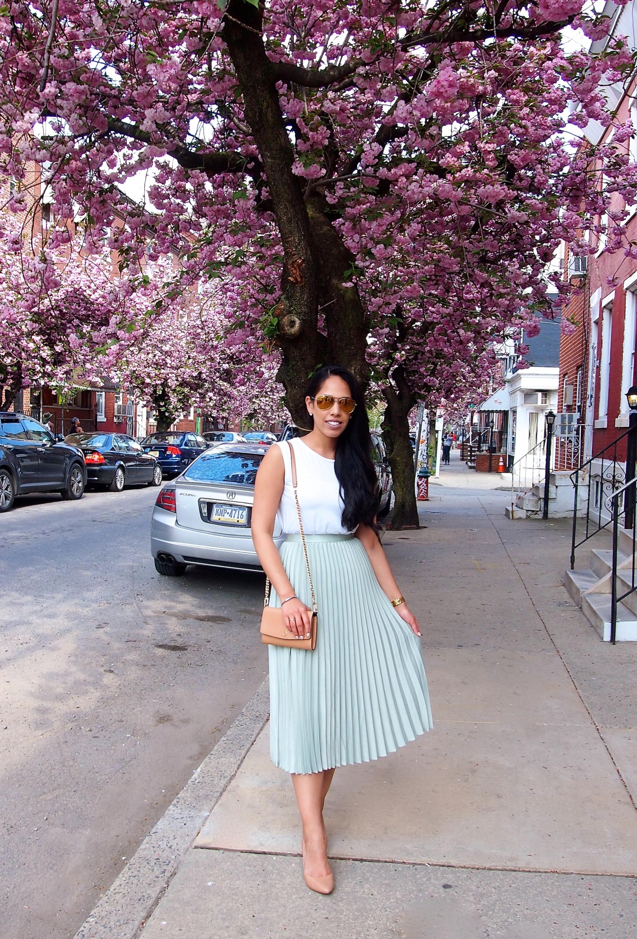 philadelphia-fashion-blogger-pleated-skirt.JPG