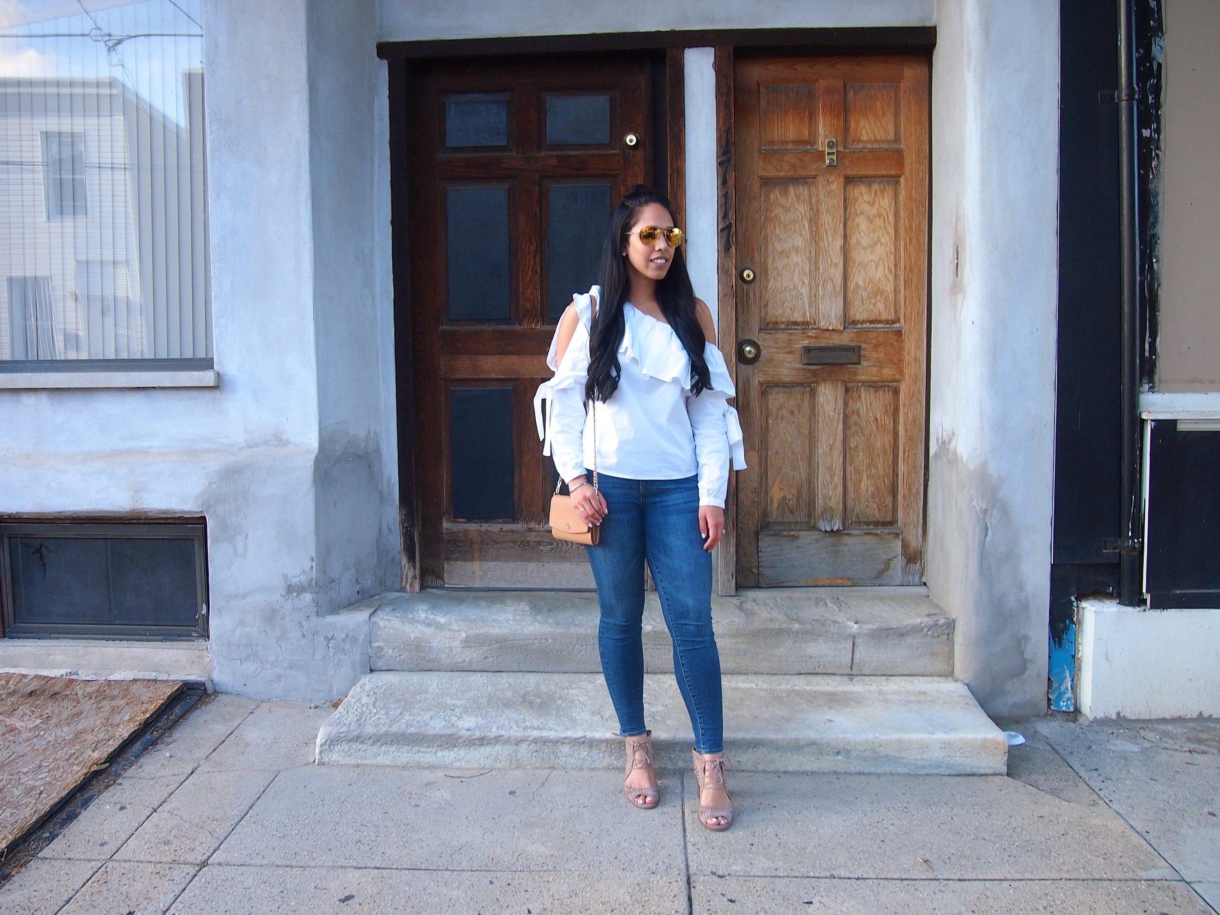 fashion-blogger-white-ruffle-top-under-100.JPG