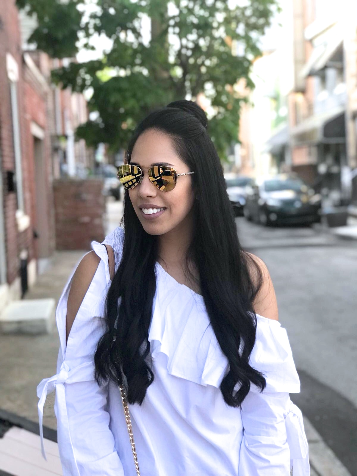 fashion-blogger-affordable-white-ruffle-top.JPG