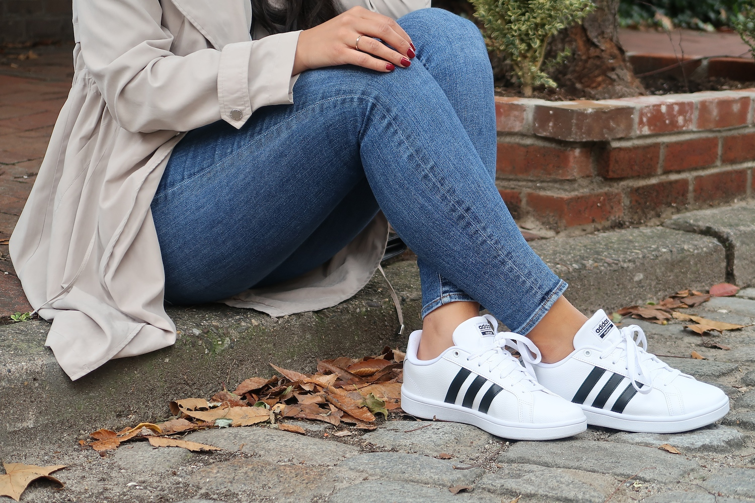 fall-athleisure-shoe-carnival-adidas-advantage-stripe.jpg
