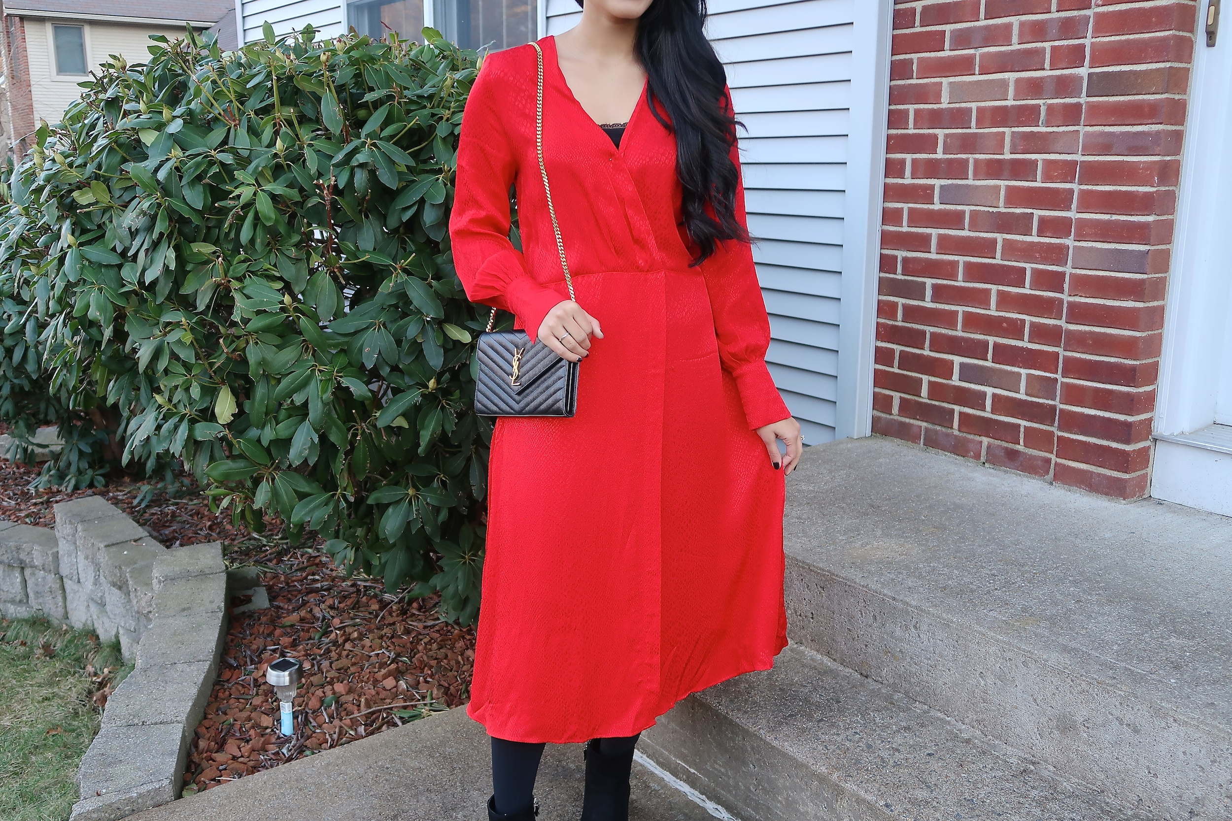 red-dress-christmas-new-year-outfit-idea.jpg