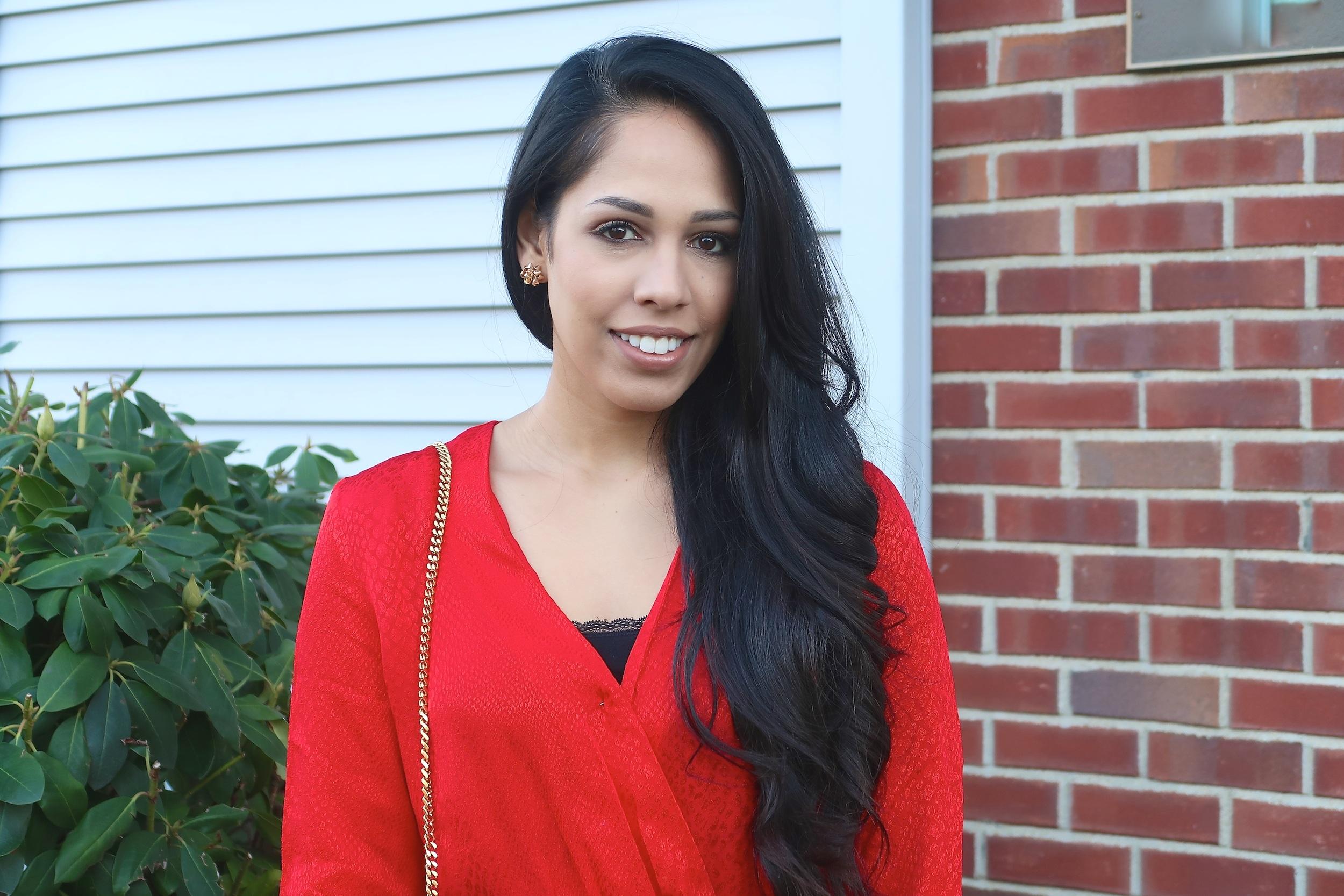 fashion-blogger-red-dress-christmas-outift-idea.jpg