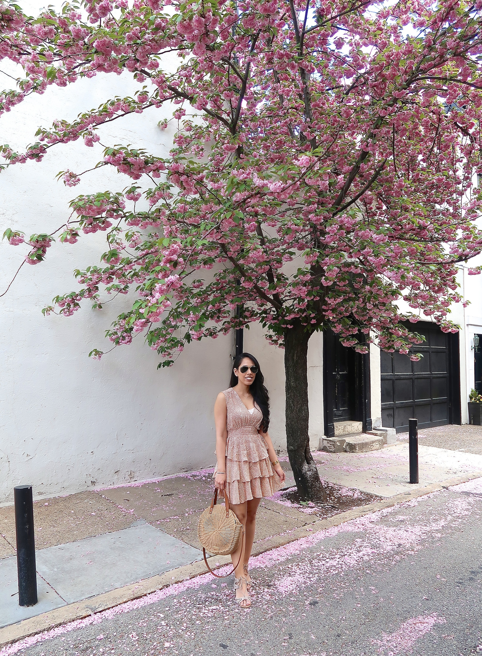 fashion-blogger-cherry-blossom-spring-style.jpg