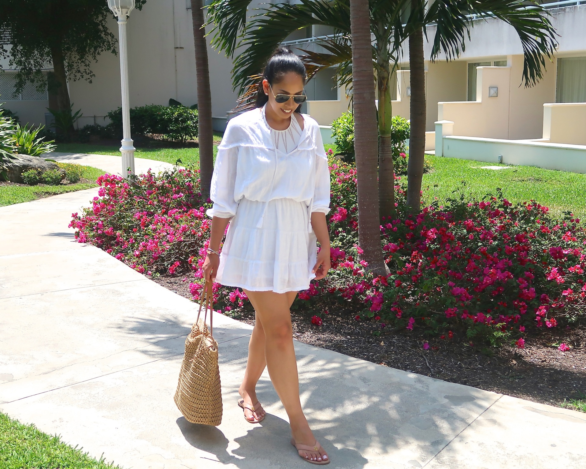 white-dress-vacation-resort-wear-fashion-blog.JPG