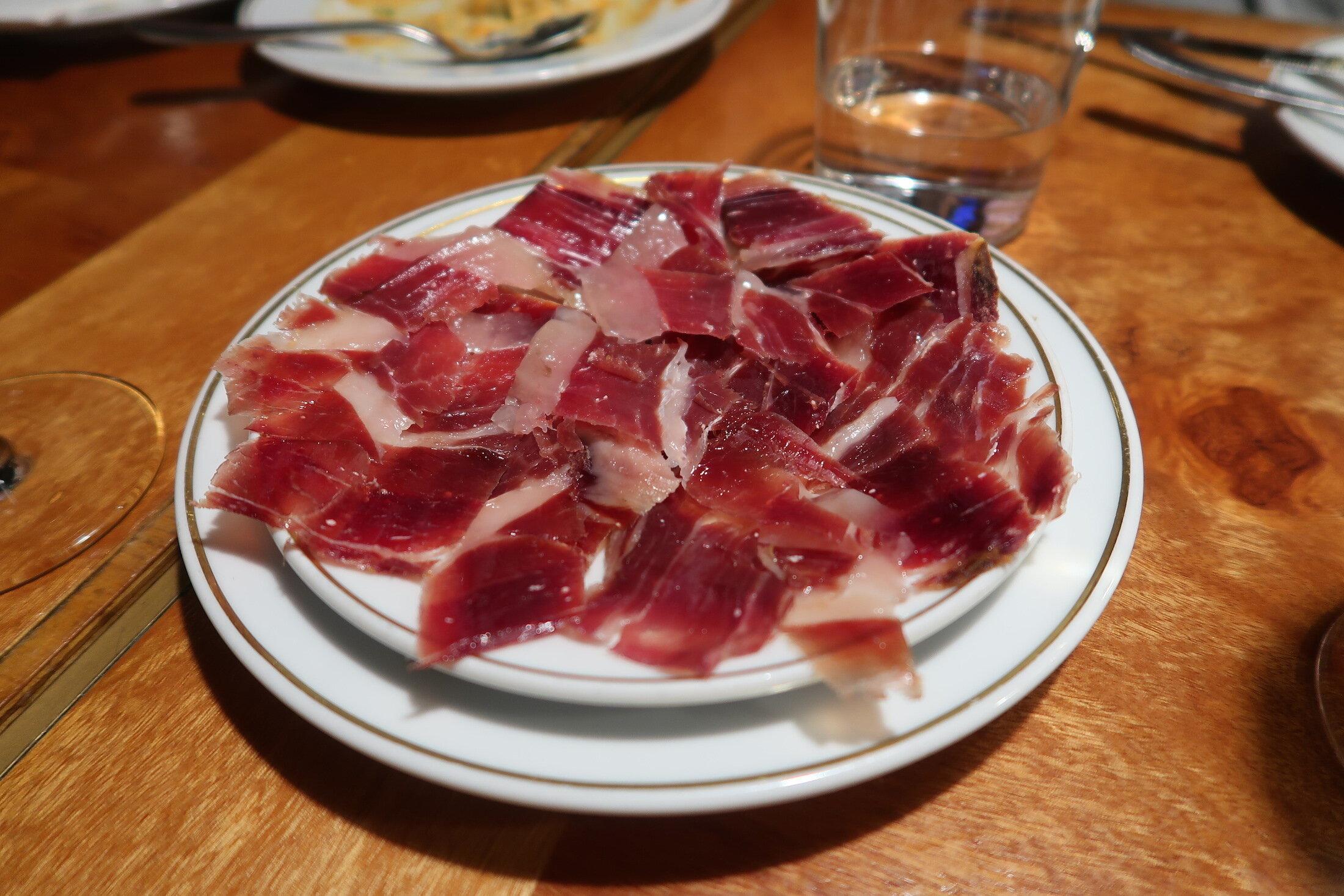 barcelona-tapas-food-ham-meat