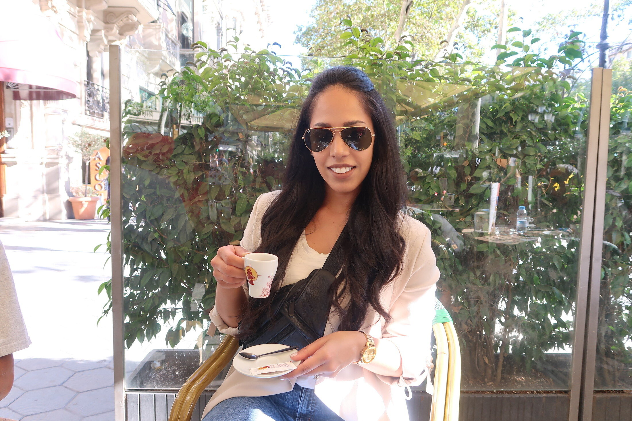 barcelona-spain-fashion-blogger-drinking-espresso.JPG