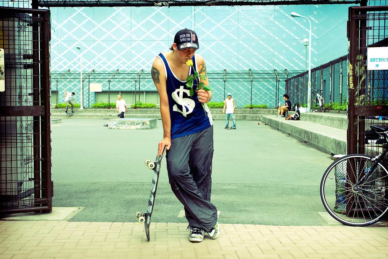 01.skateboards_and_roses_05.JPG