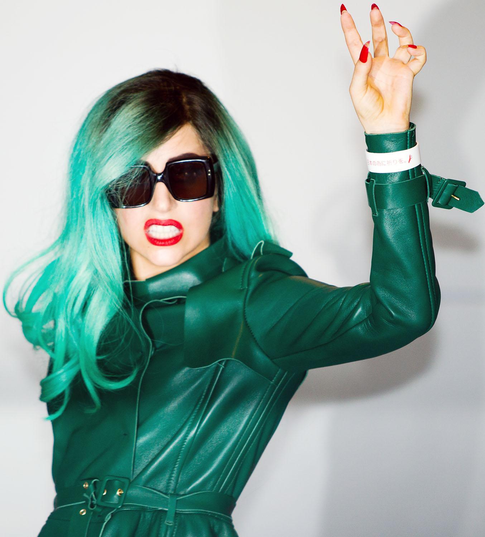 20110621_Lady_Gaga_Arrives_in_Tokyo_IMGL0199.jpg