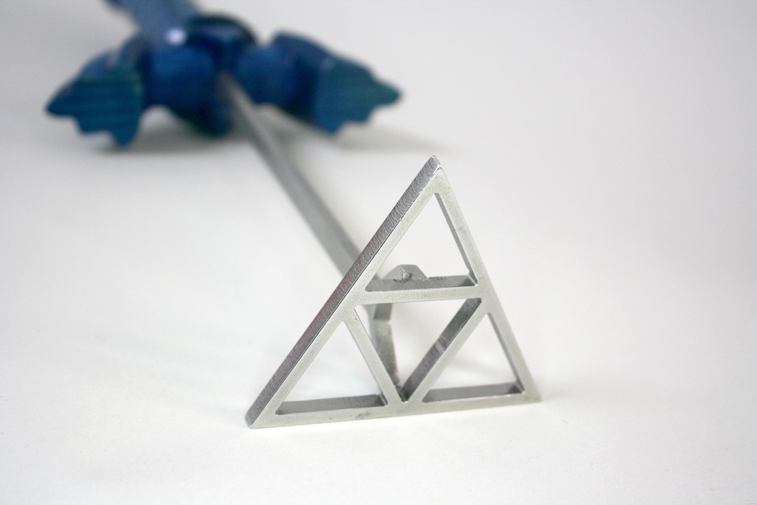 Triforce Brand Face CU.jpg