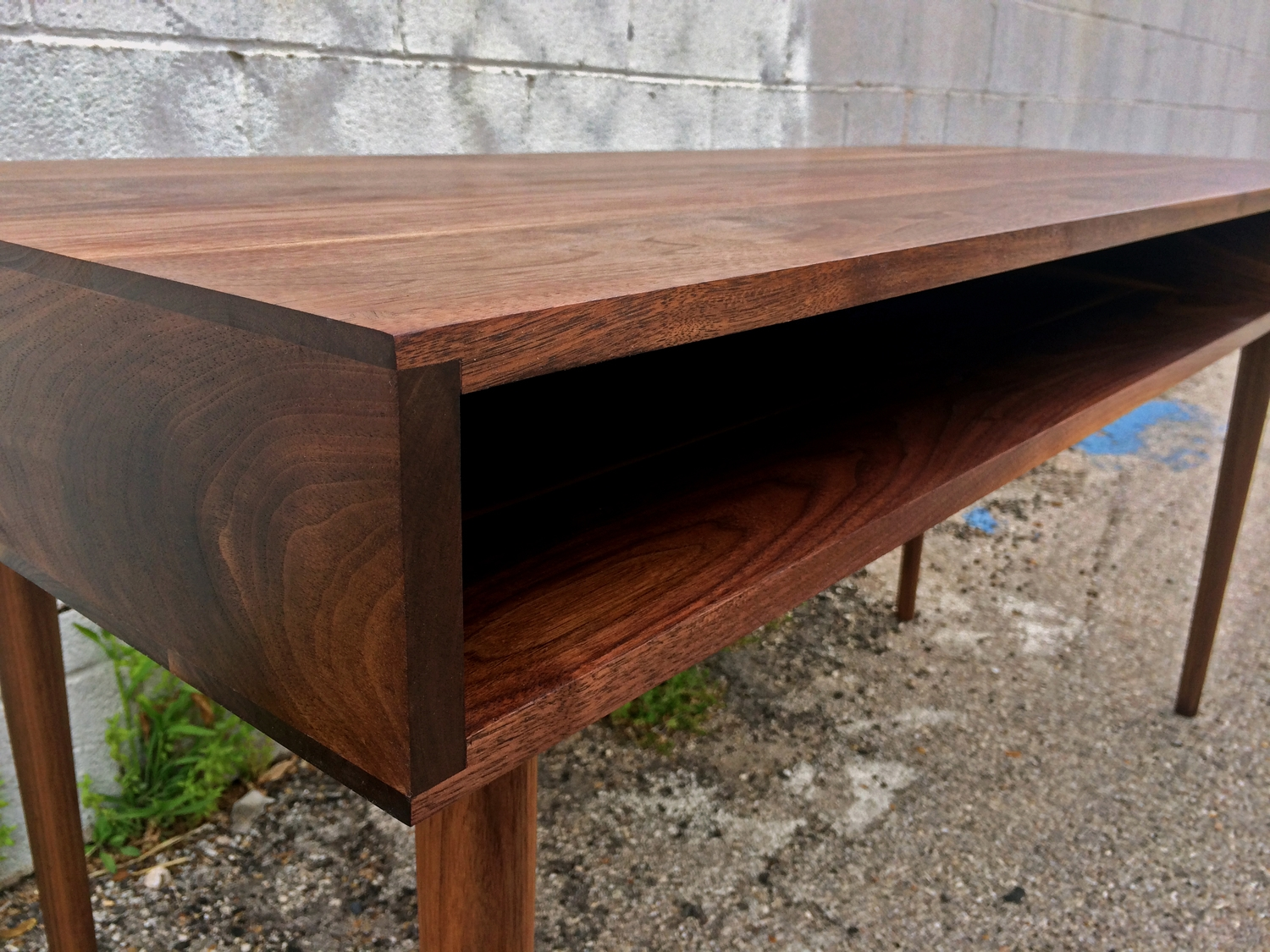 Quadbro Studio Table - Front Left