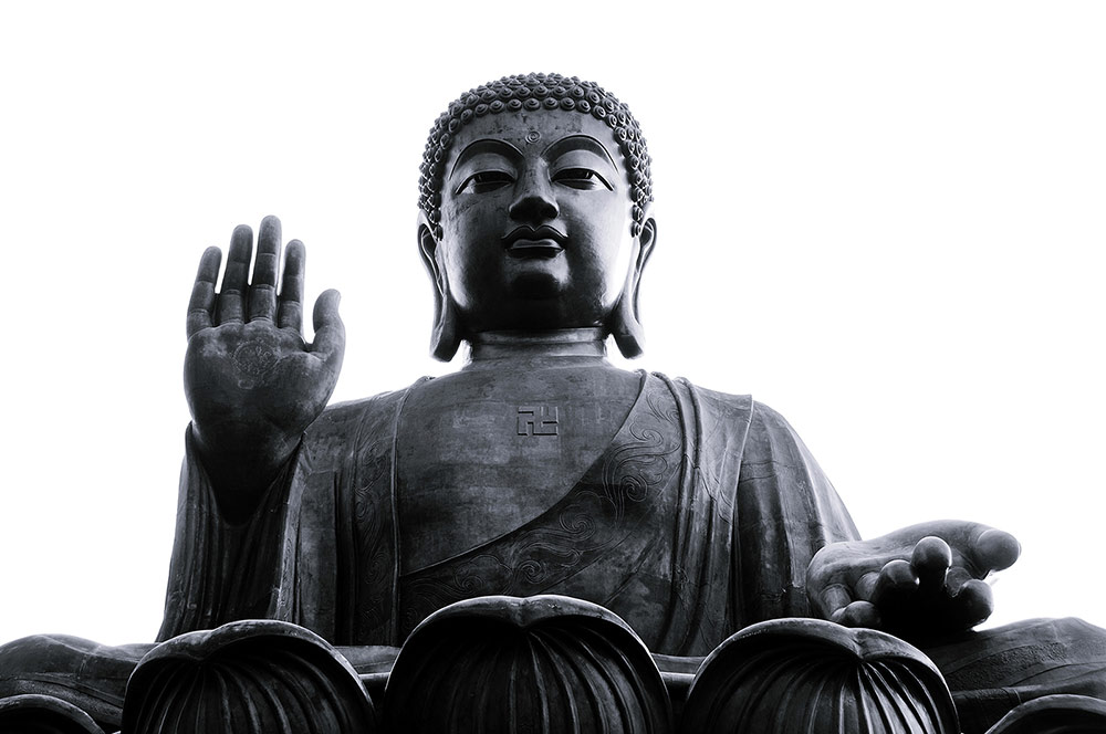 PATHBLACK-buddha-bigbuddha-hongkong-lotus-china-aromatherapy-luxury-soycandles-handpoured-allnatural-essentialoil-toxinfree-woodenwick-scented-candles-interior-design-blackcandles-minimal-spa-wellness-meditation-yoga.jpg
