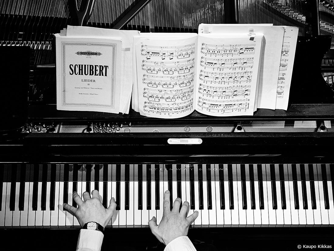 Tom Primrose plays Schubert Lieder