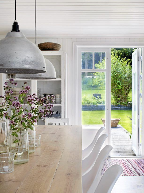 Creating a peaceful flow from the open plan interior out onto the garden.