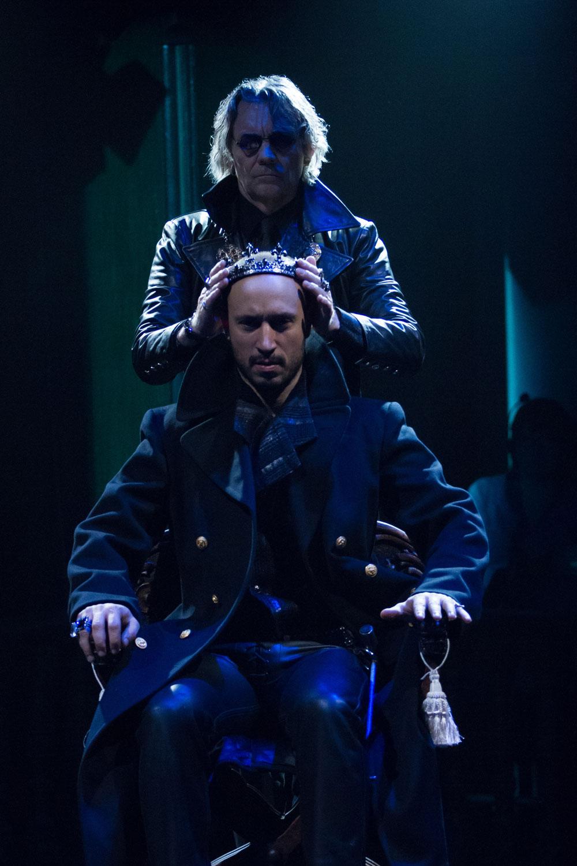 Richard Sheridan Willis as Lord Stanley (Jeff Malet/Folger)