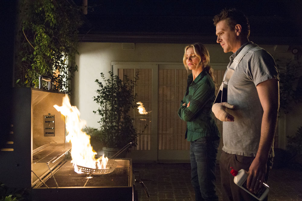 Cameron Diaz and Jason Segel set fire to The Cloud (Claire Folger/Sony).