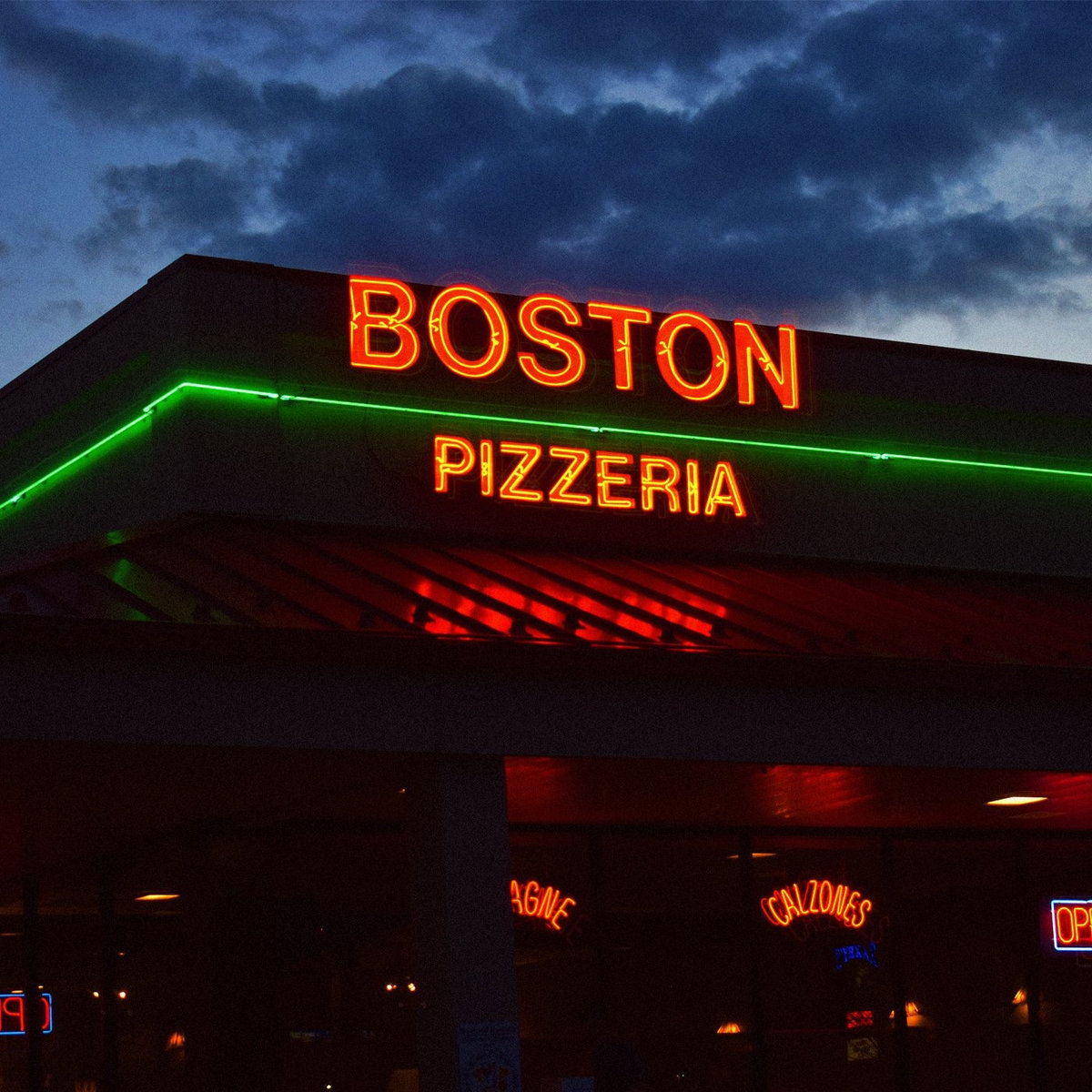 Boston's Pizzeria  by Quality Time