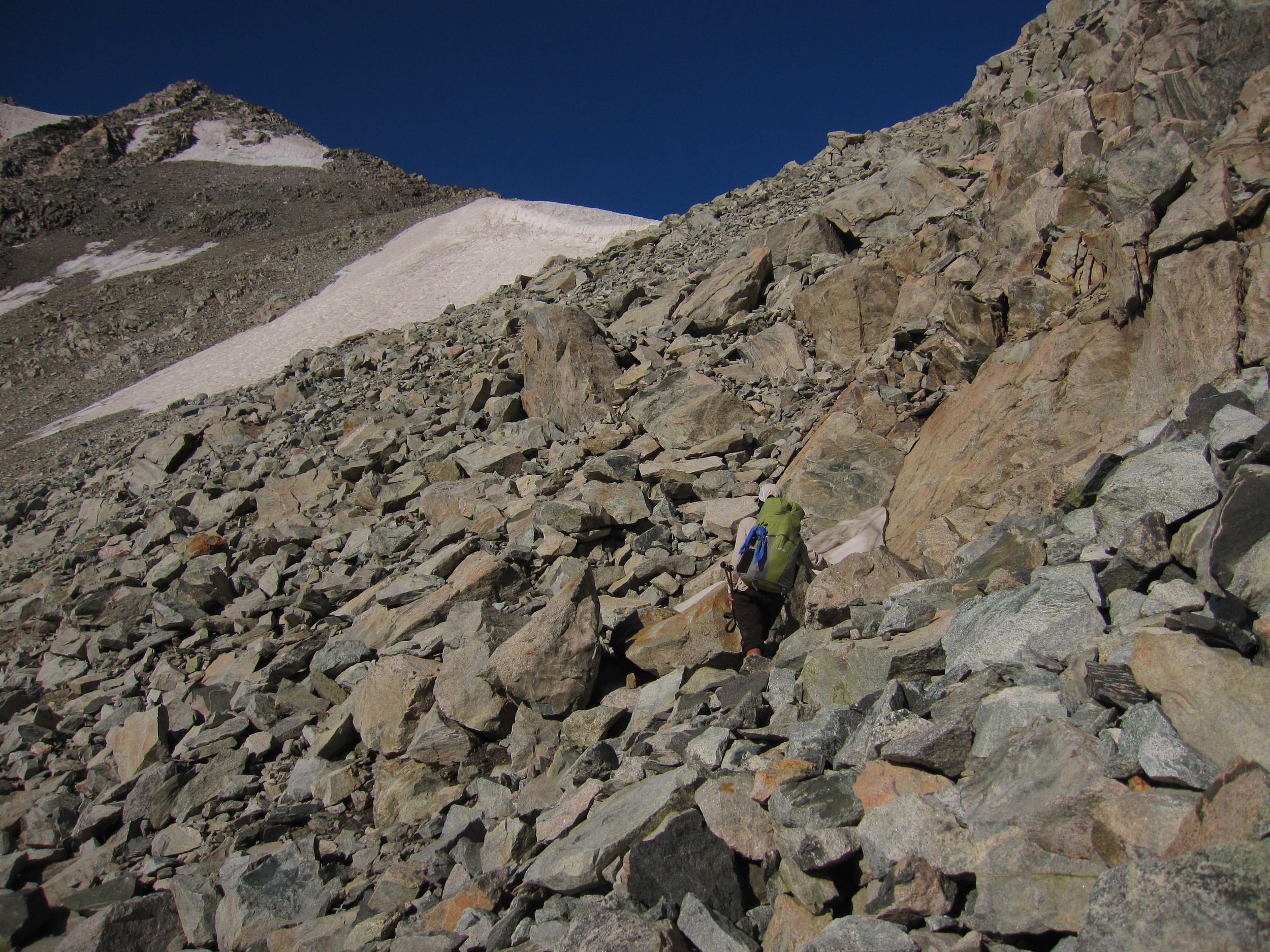 On the final talus, approaching Knapsack Col.