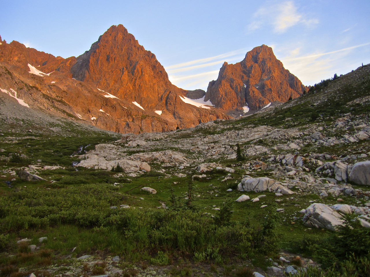 Morning alpenglow on Mount Ritter (left) and Banner Peak (right).