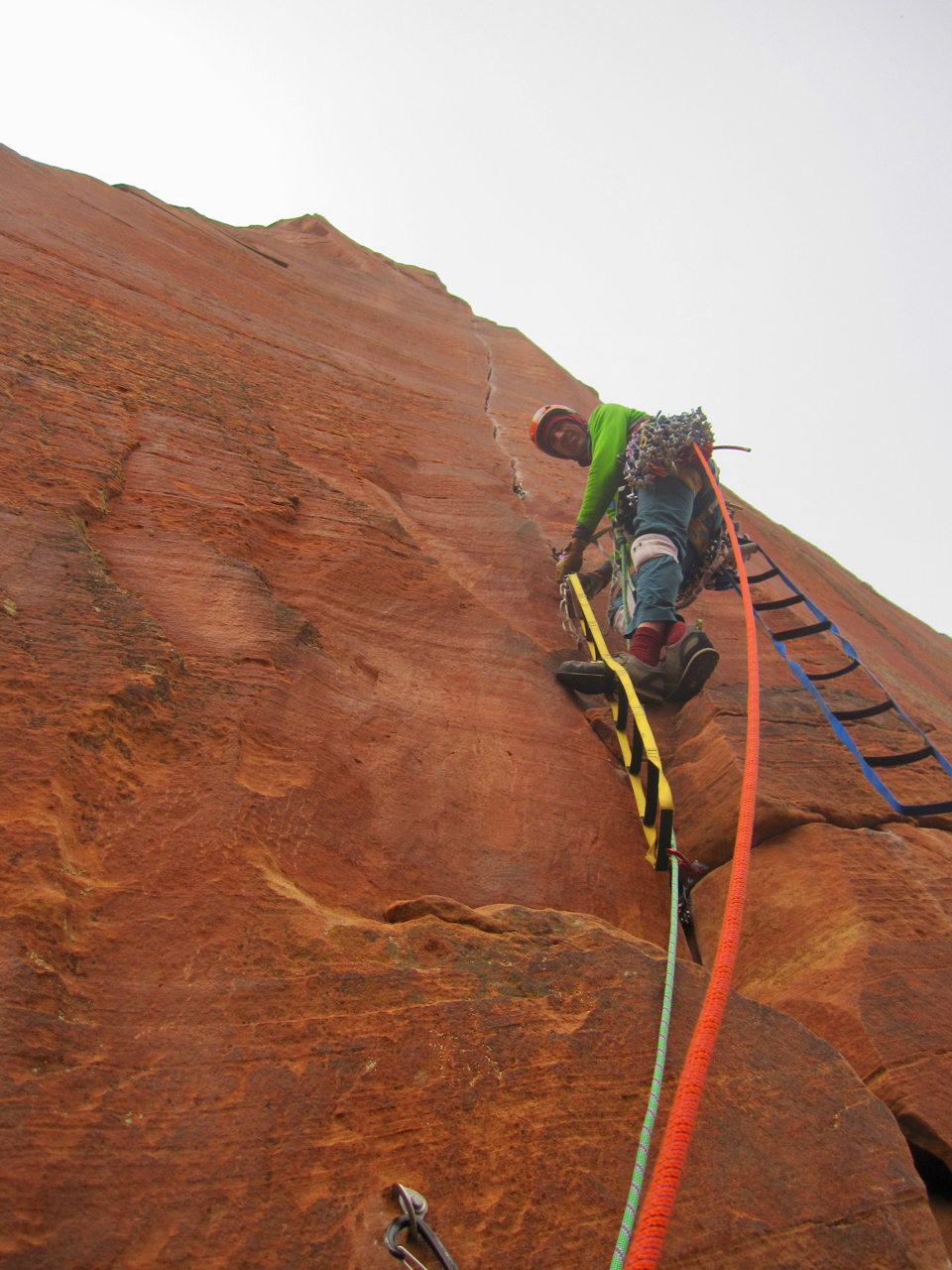 Starting the amazing sixth pitch on the upper headwall.