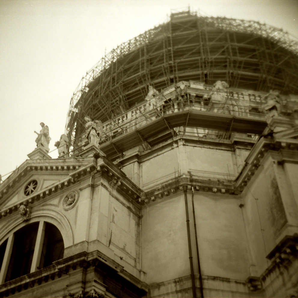dome construction.jpg