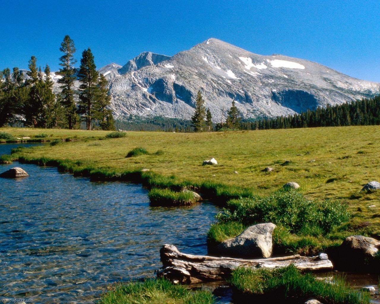 Mammoth-Peak-lake-landscape-mountain-1280x1024.jpg