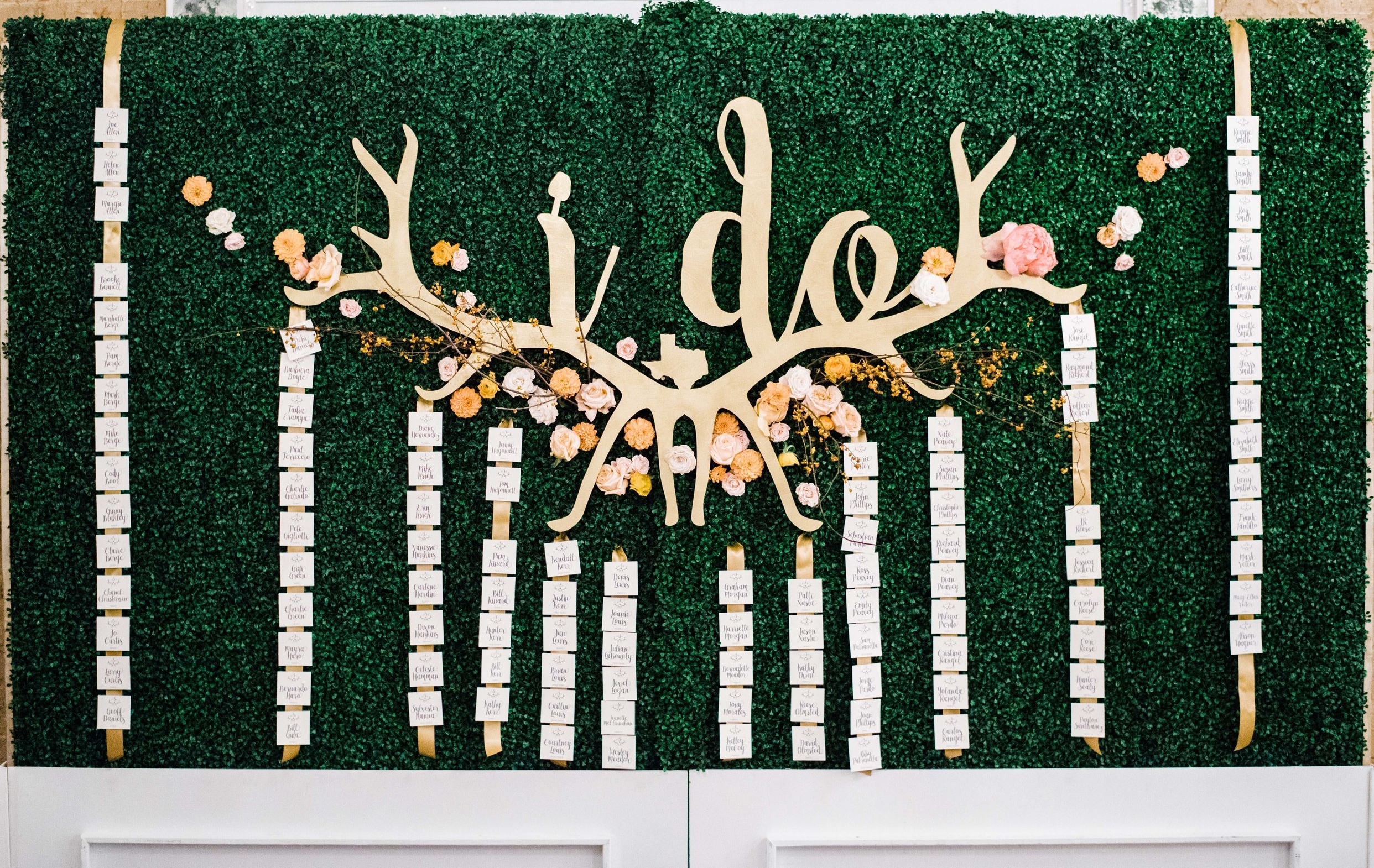 Place Cards Hedge Wall