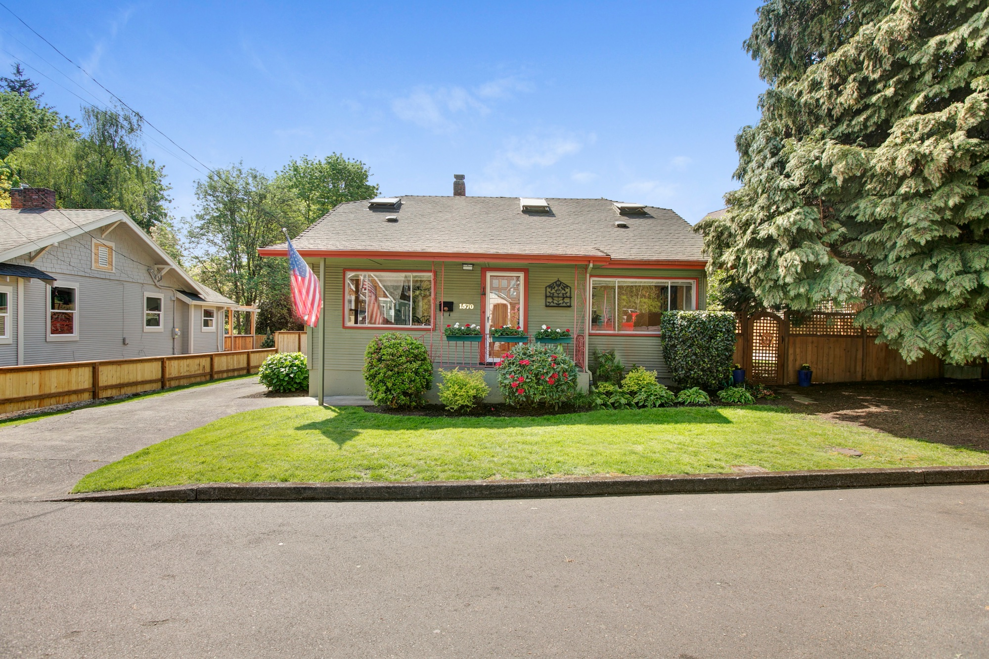 01_1570 Holly St., West Linn.jpg