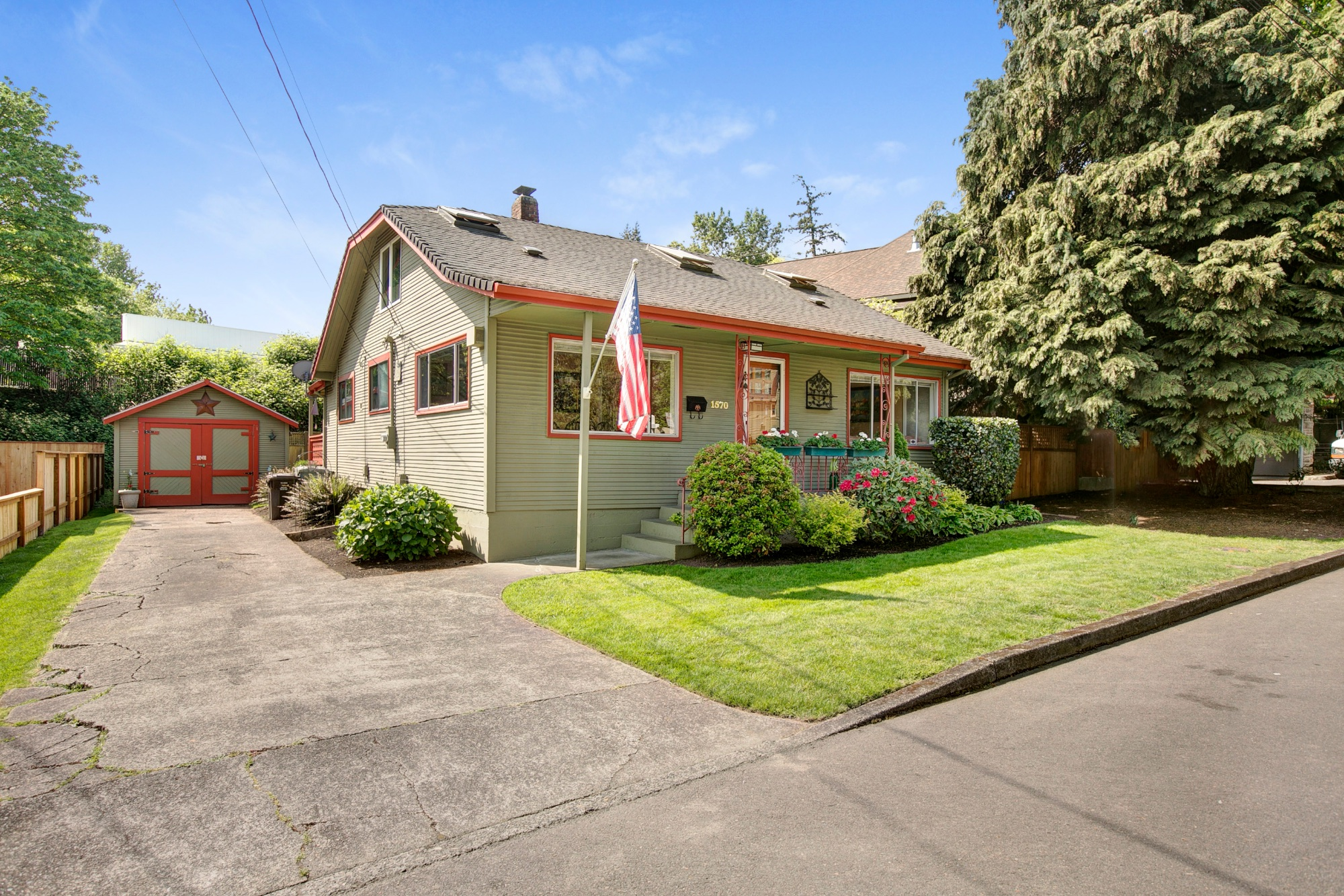 03_1570 Holly St., West Linn.jpg